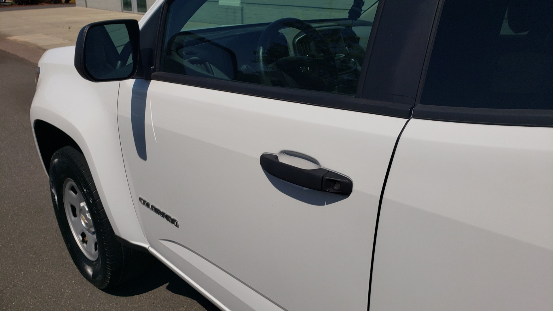 Used 2016 Chevrolet COLORADO 2WD WT / EXT CAB / 128.3 WB / 4-CYL / 6-SPD AUTO / REARVIEW for sale Sold at Formula Imports in Charlotte NC 28227 10
