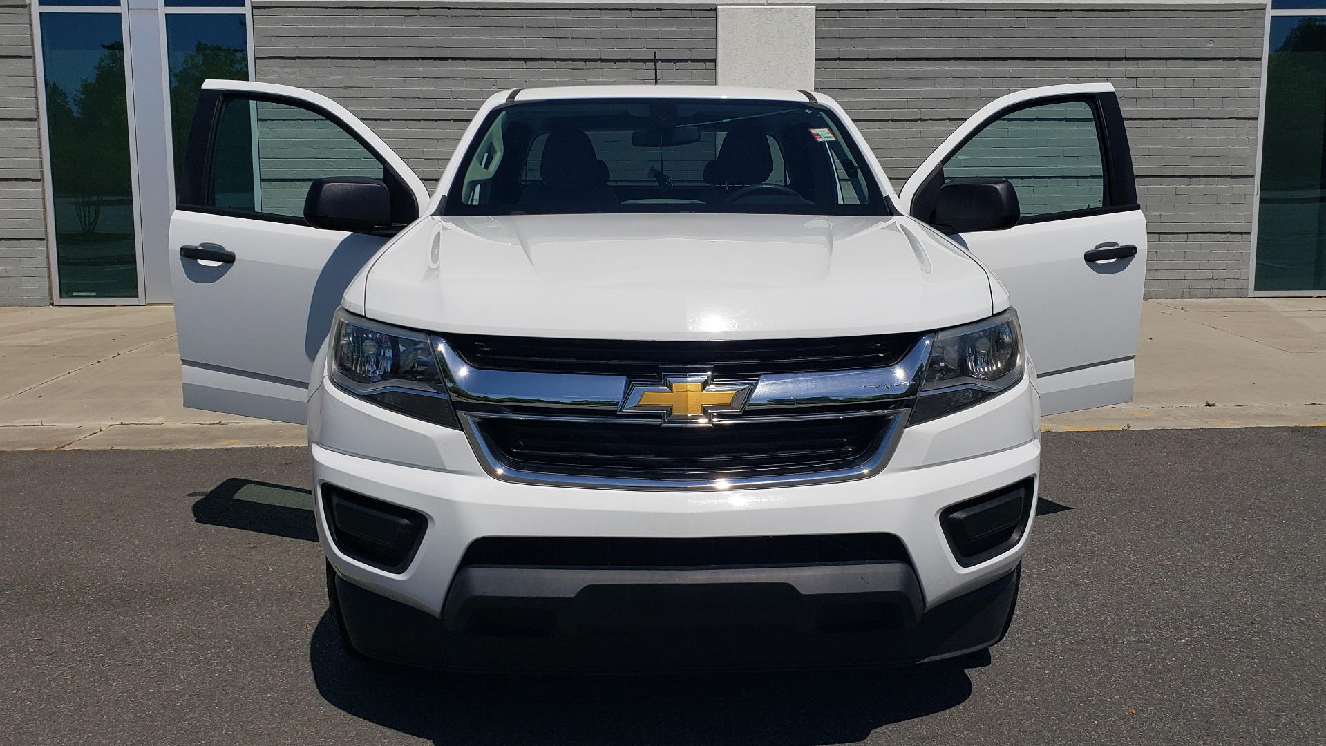 Used 2016 Chevrolet COLORADO 2WD WT / EXT CAB / 128.3 WB / 4-CYL / 6-SPD AUTO / REARVIEW for sale Sold at Formula Imports in Charlotte NC 28227 17