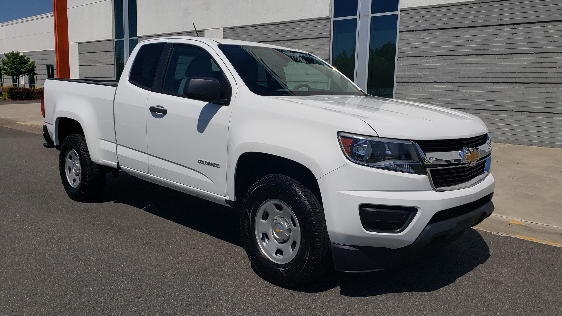 Used 2016 Chevrolet COLORADO 2WD WT / EXT CAB / 128.3 WB / 4-CYL / 6-SPD AUTO / REARVIEW for sale Sold at Formula Imports in Charlotte NC 28227 6