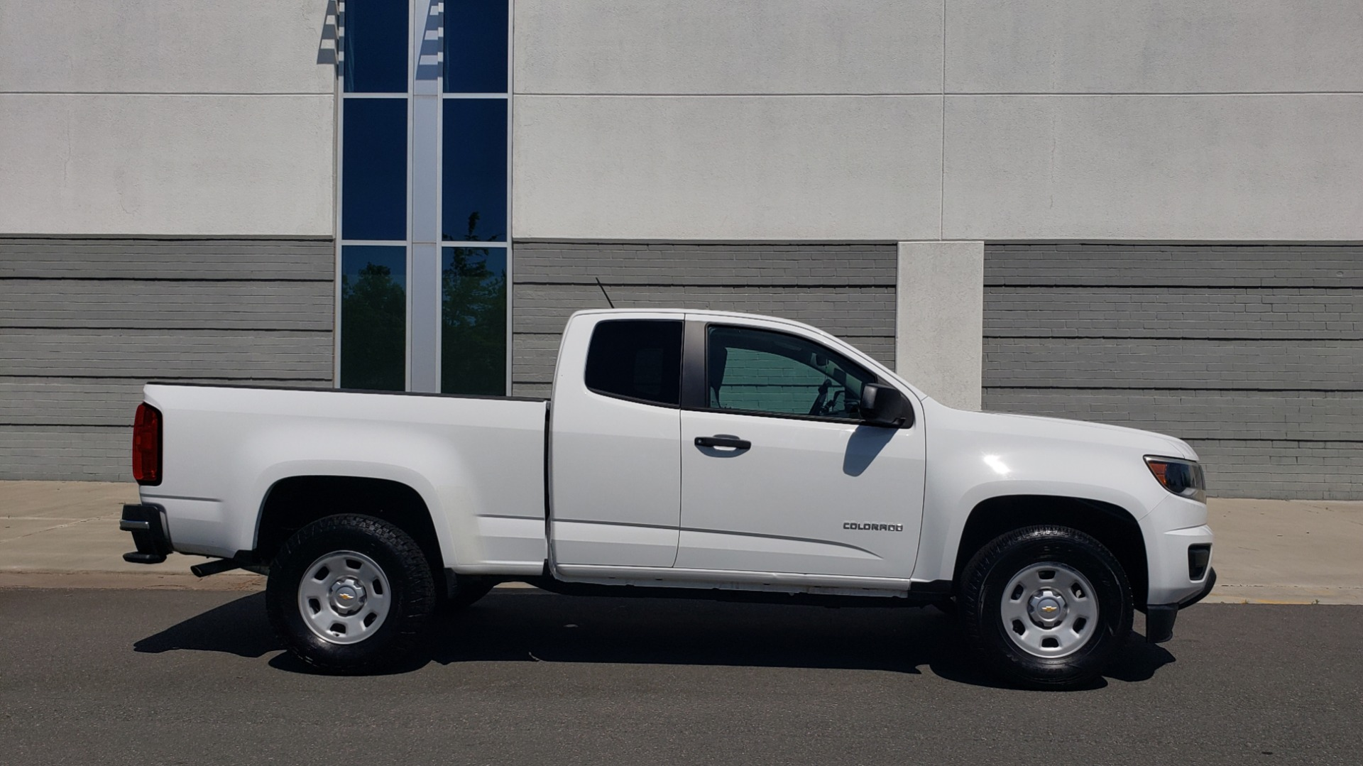 Used 2016 Chevrolet COLORADO 2WD WT / EXT CAB / 128.3 WB / 4-CYL / 6-SPD AUTO / REARVIEW for sale Sold at Formula Imports in Charlotte NC 28227 7