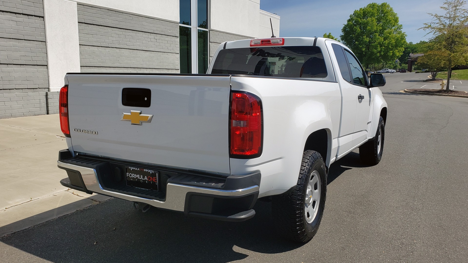 Used 2016 Chevrolet COLORADO 2WD WT / EXT CAB / 128.3 WB / 4-CYL / 6-SPD AUTO / REARVIEW for sale Sold at Formula Imports in Charlotte NC 28227 9