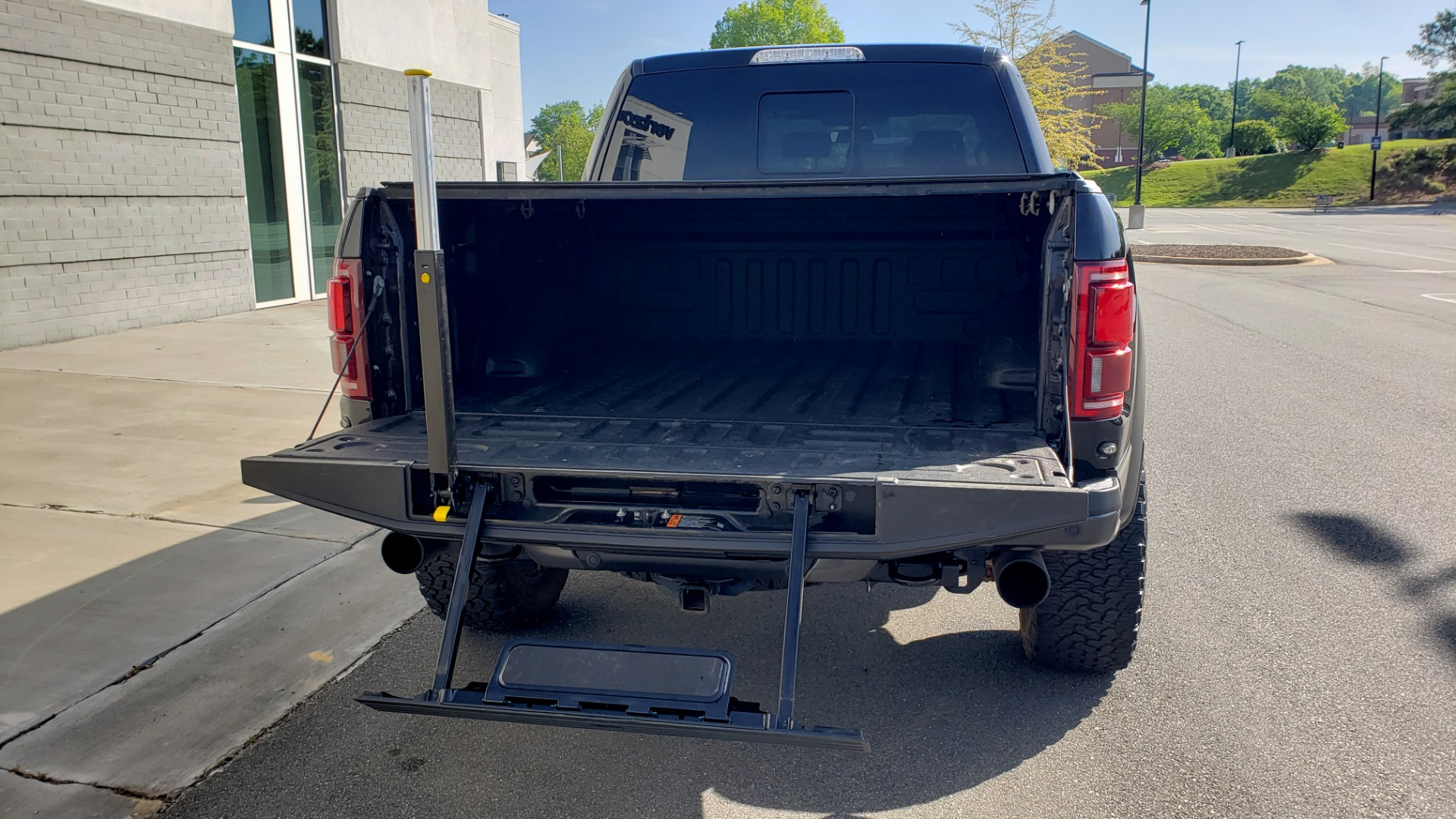 Used 2020 Ford F-150 RAPTOR 4X4 SUPERCREW / NAV / B&O SOUND / SUNROOF / REARVIEW for sale Sold at Formula Imports in Charlotte NC 28227 24