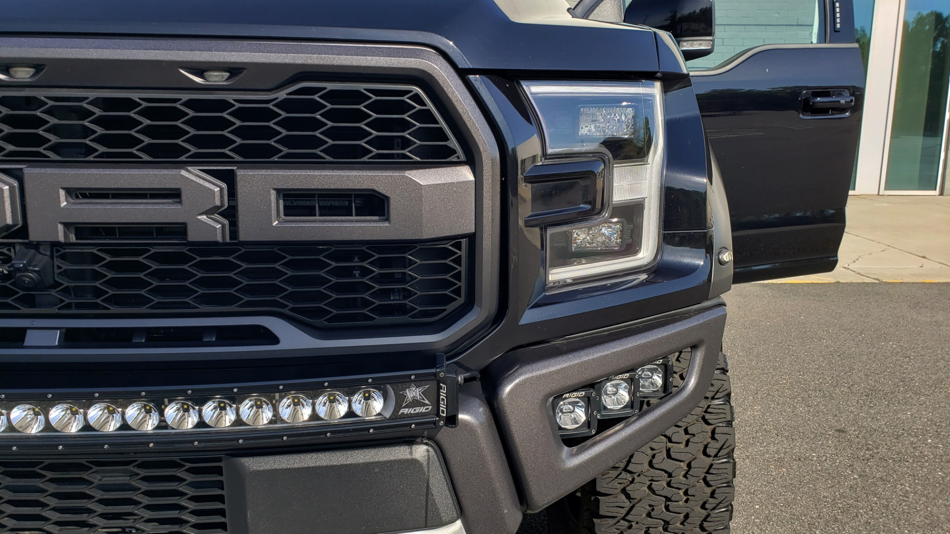 Used 2020 Ford F-150 RAPTOR 4X4 SUPERCREW / NAV / B&O SOUND / SUNROOF / REARVIEW for sale Sold at Formula Imports in Charlotte NC 28227 30