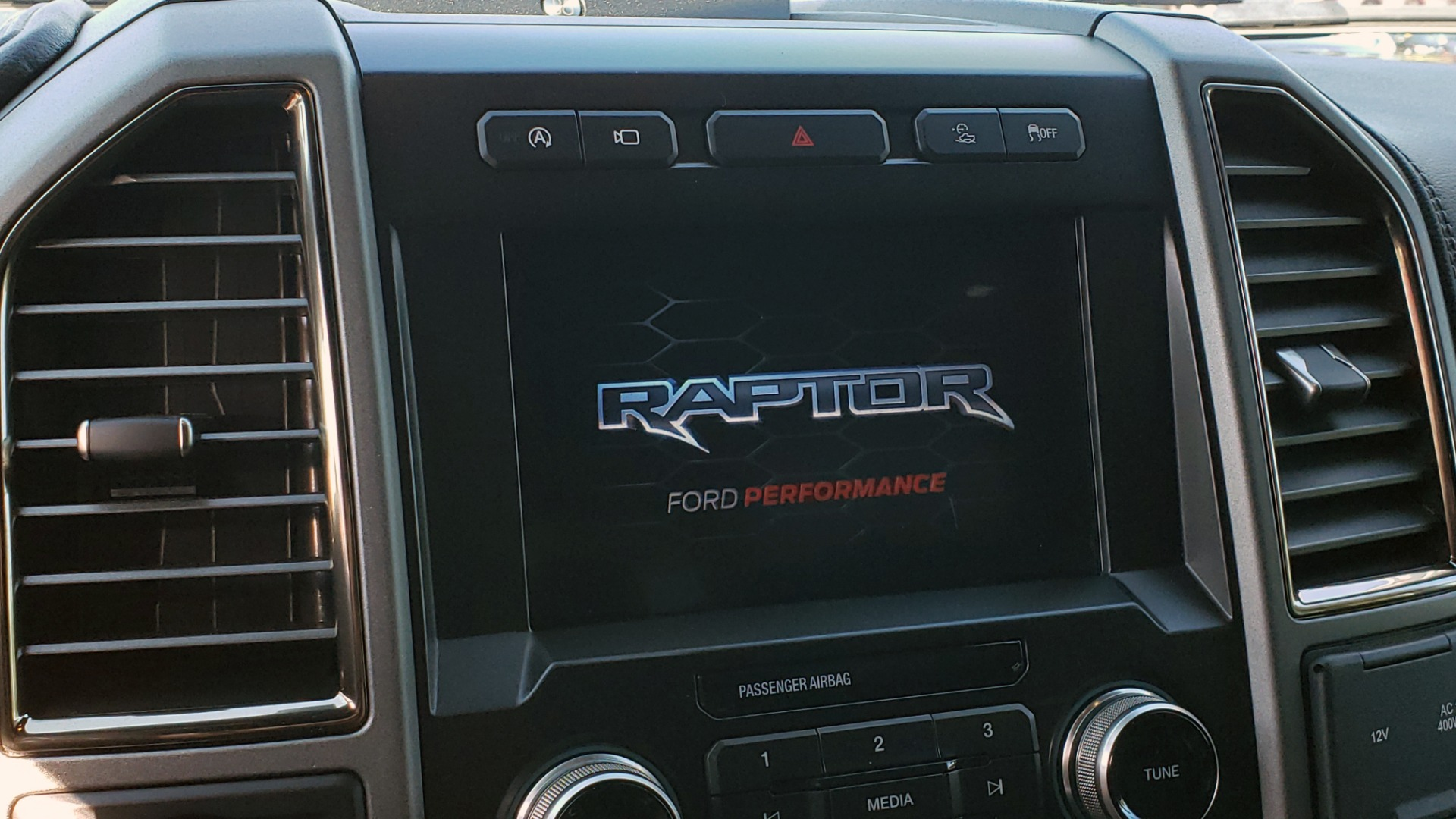 Used 2020 Ford F-150 RAPTOR 4X4 SUPERCREW / NAV / B&O SOUND / SUNROOF / REARVIEW for sale Sold at Formula Imports in Charlotte NC 28227 56