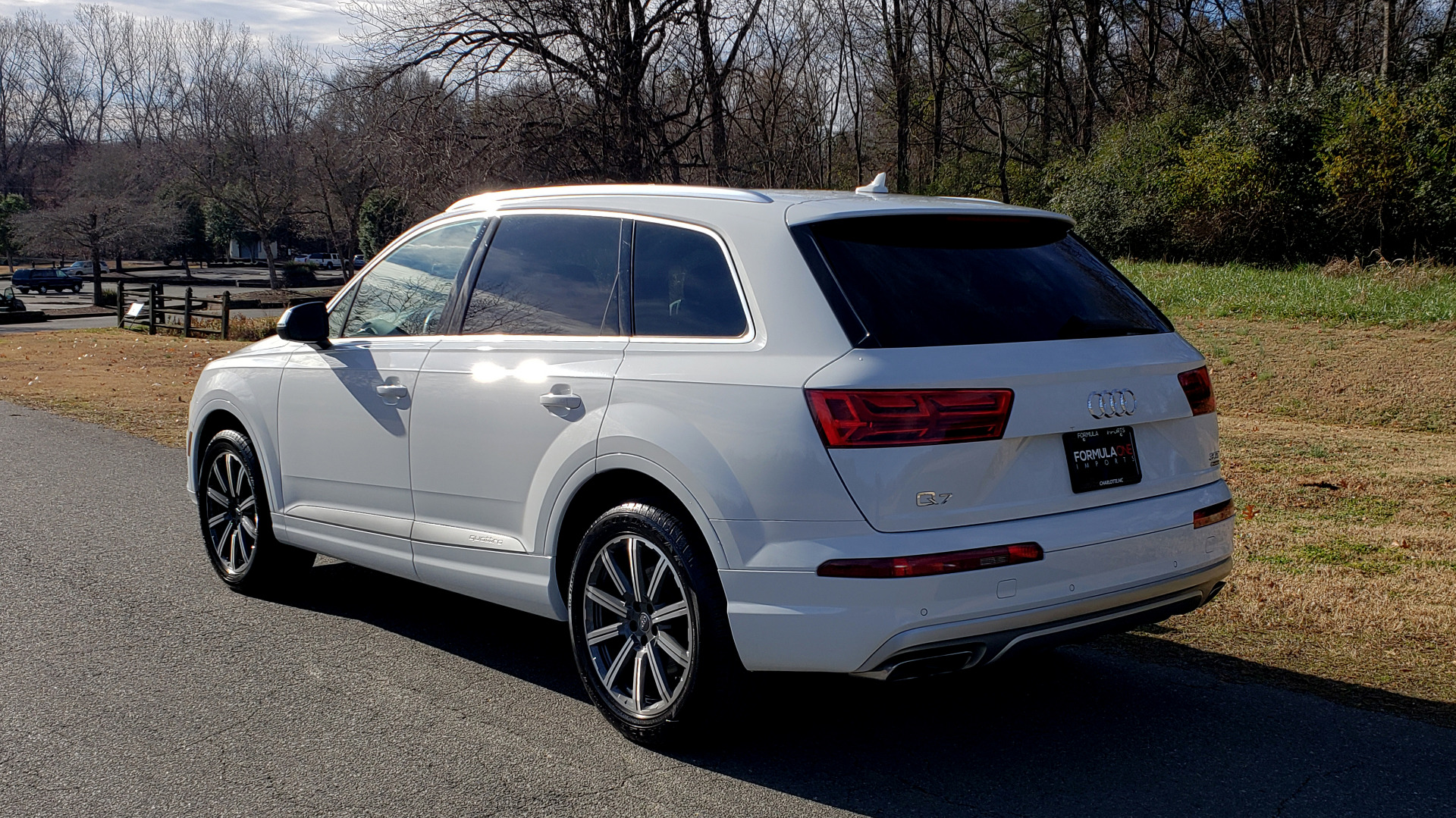 Used 2017 Audi Q7 PRESTIGE 3.0T / NAV / CLD WTHR / SUNROOF / REARVIEW for sale Sold at Formula Imports in Charlotte NC 28227 100