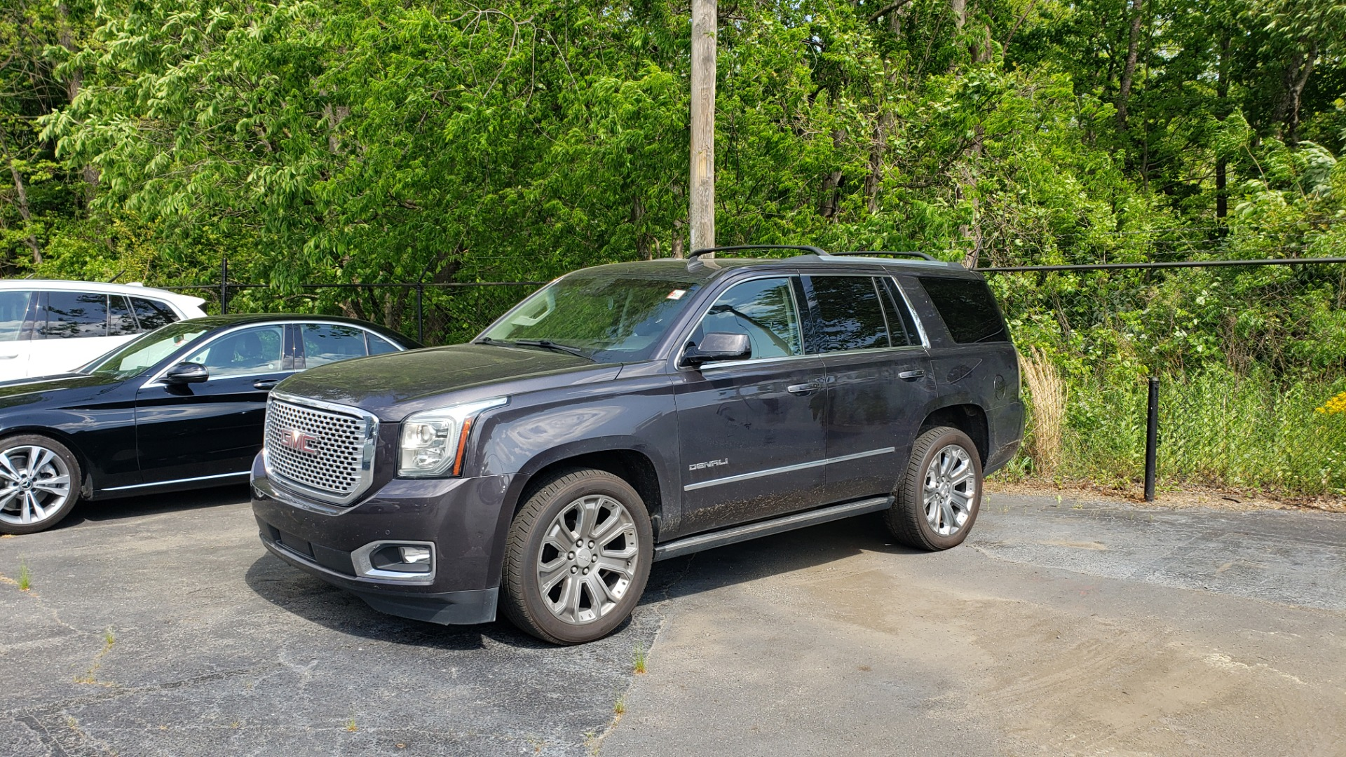 Used 2015 GMC YUKON DENALI 4WD / NAV / BOSE / SUNROOF / 3-ROW / DVD / REARVIEW for sale Call for price at Formula Imports in Charlotte NC 28227 1