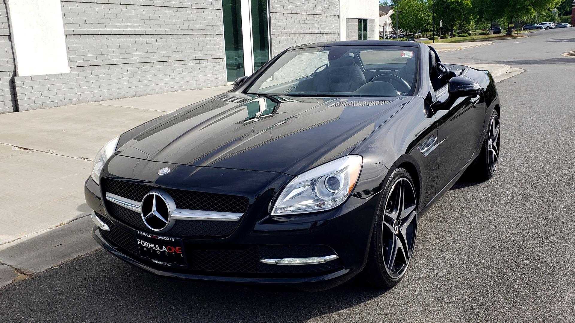 Used 2012 Mercedes-Benz SLK-CLASS SLK 250 ROADSTER / PREM 1 PKG / COMAND LAUNCH PKG / 7-SPD AUTO for sale $24,995 at Formula Imports in Charlotte NC 28227 16