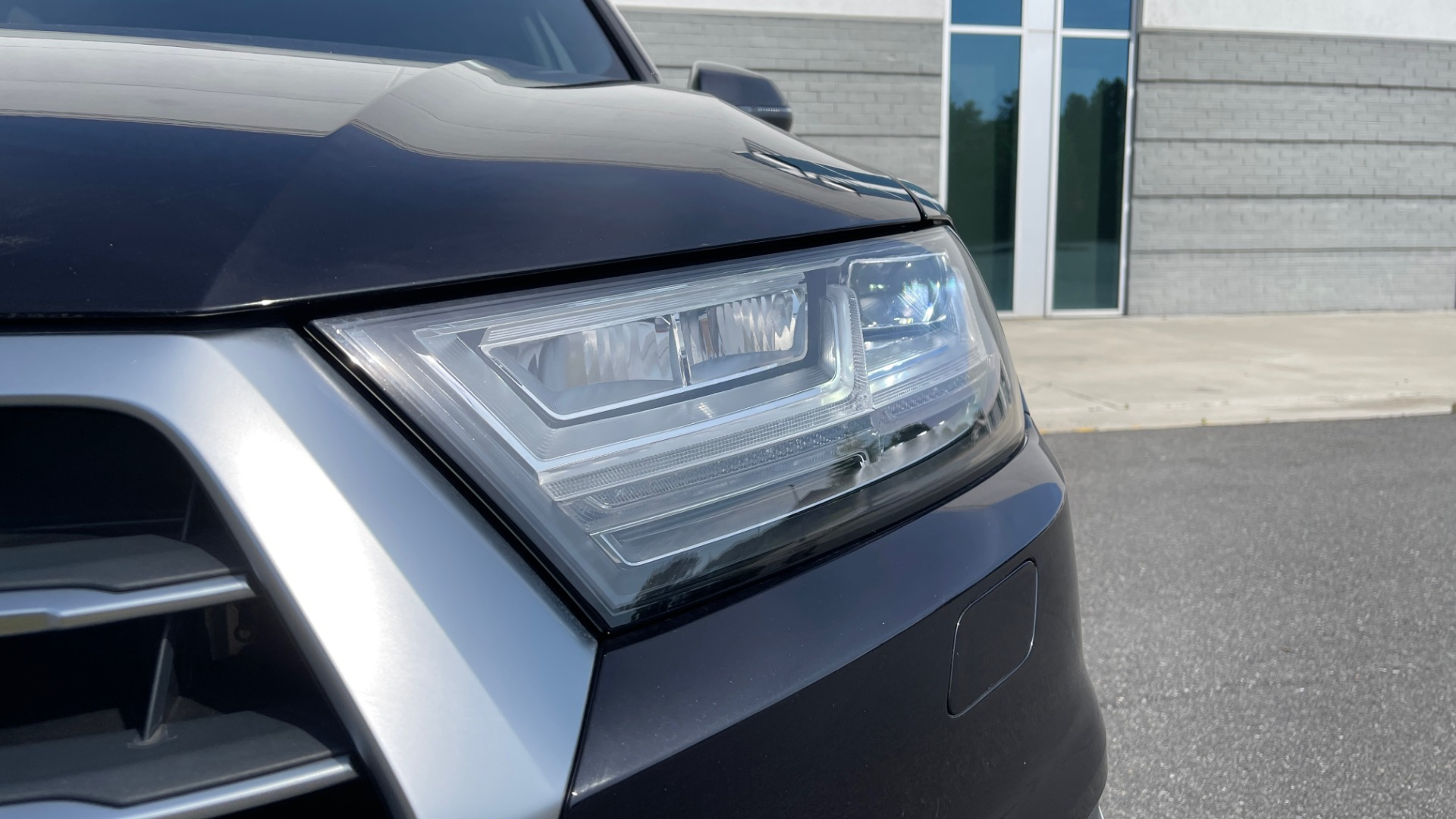 Used 2018 Audi Q7 PREMIUM PLUS / NAV / PANO-ROOF / BOSE / 3-ROW / REARVIEW for sale $43,461 at Formula Imports in Charlotte NC 28227 14