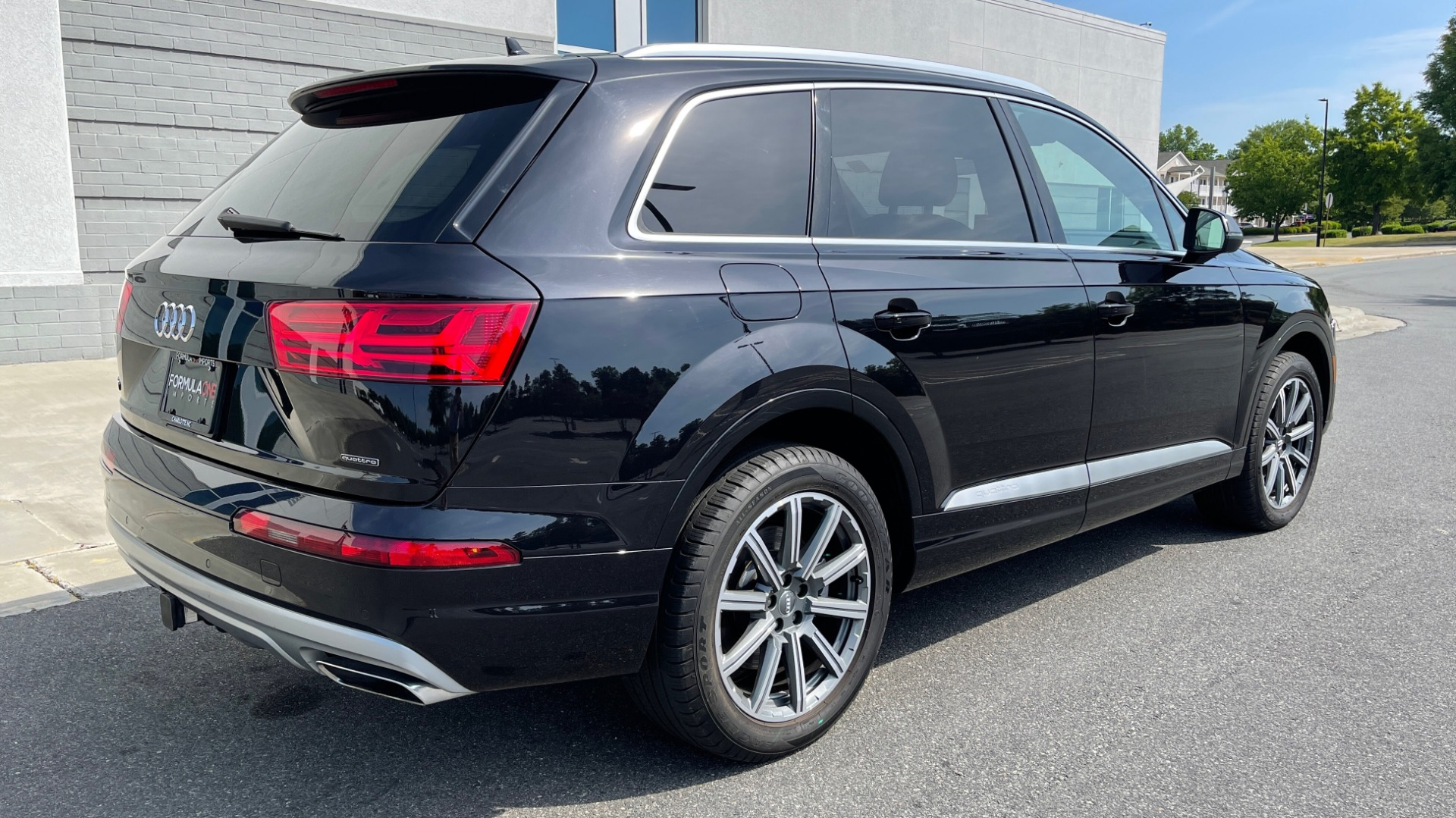 Used 2018 Audi Q7 PREMIUM PLUS / NAV / PANO-ROOF / BOSE / 3-ROW / REARVIEW for sale $43,461 at Formula Imports in Charlotte NC 28227 2