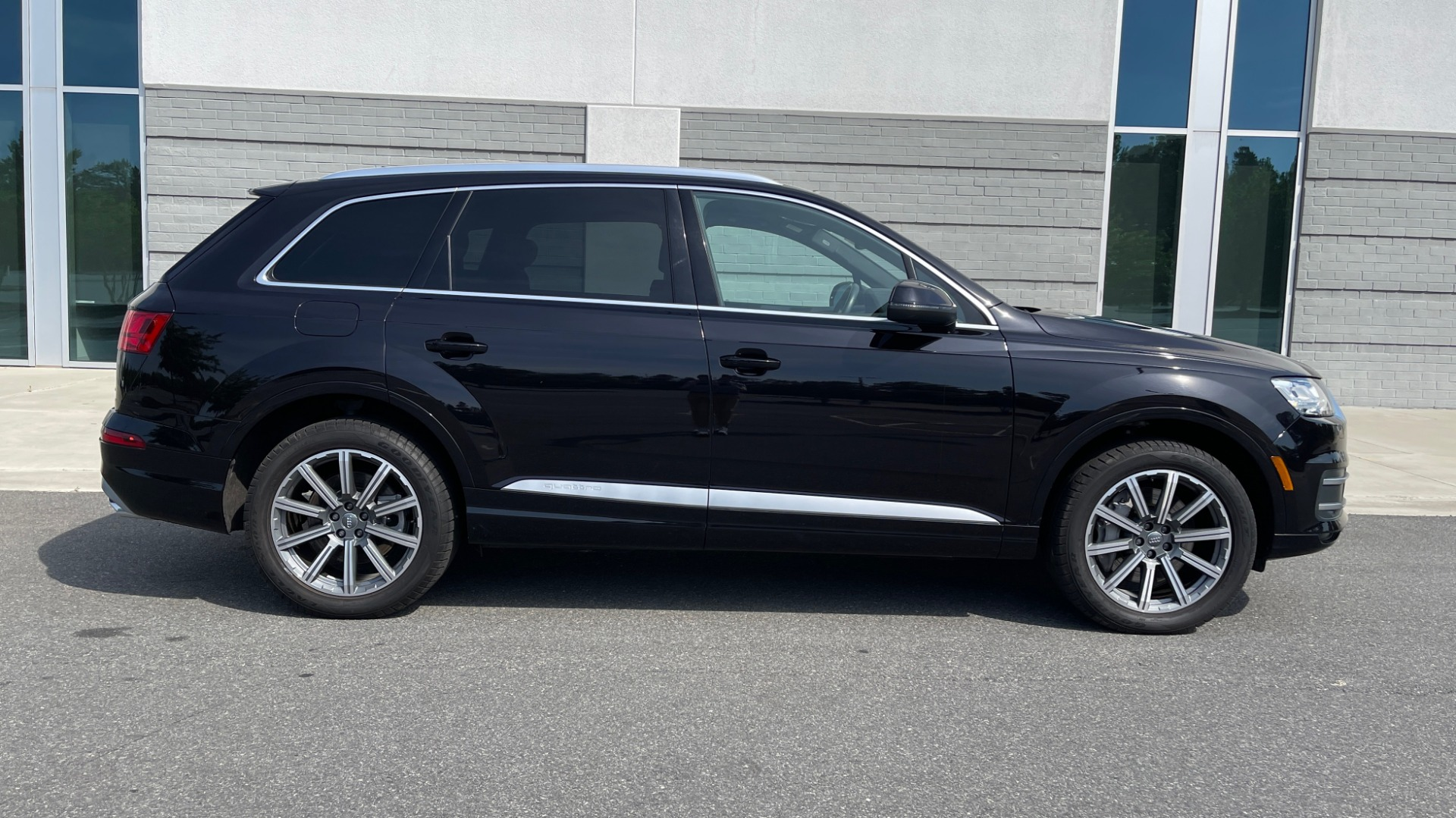 Used 2018 Audi Q7 PREMIUM PLUS / NAV / PANO-ROOF / BOSE / 3-ROW / REARVIEW for sale $43,461 at Formula Imports in Charlotte NC 28227 7