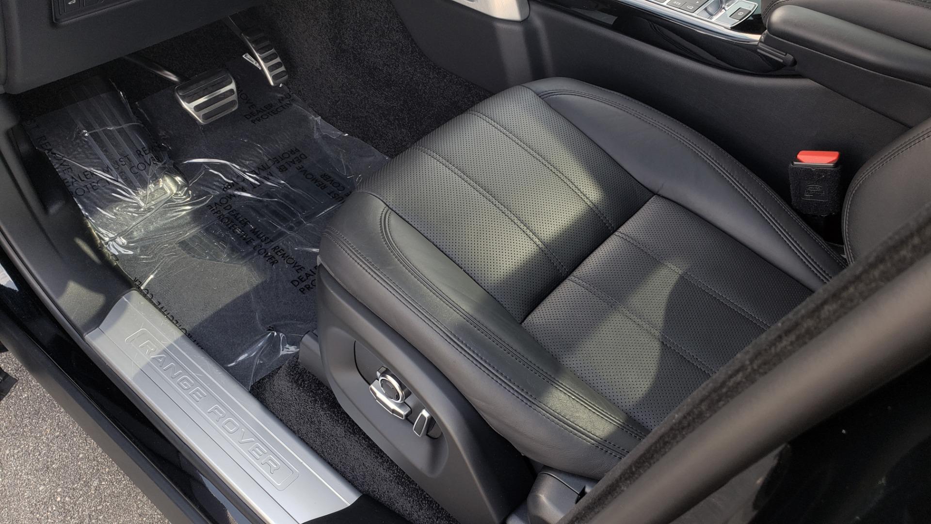 Used 2017 Land Rover RANGE ROVER SC V8 / VISION ASST / DRIVE PKG / MERIDIAN SOUND / PANO-ROOF / NAV / BSM for sale $75,995 at Formula Imports in Charlotte NC 28227 38