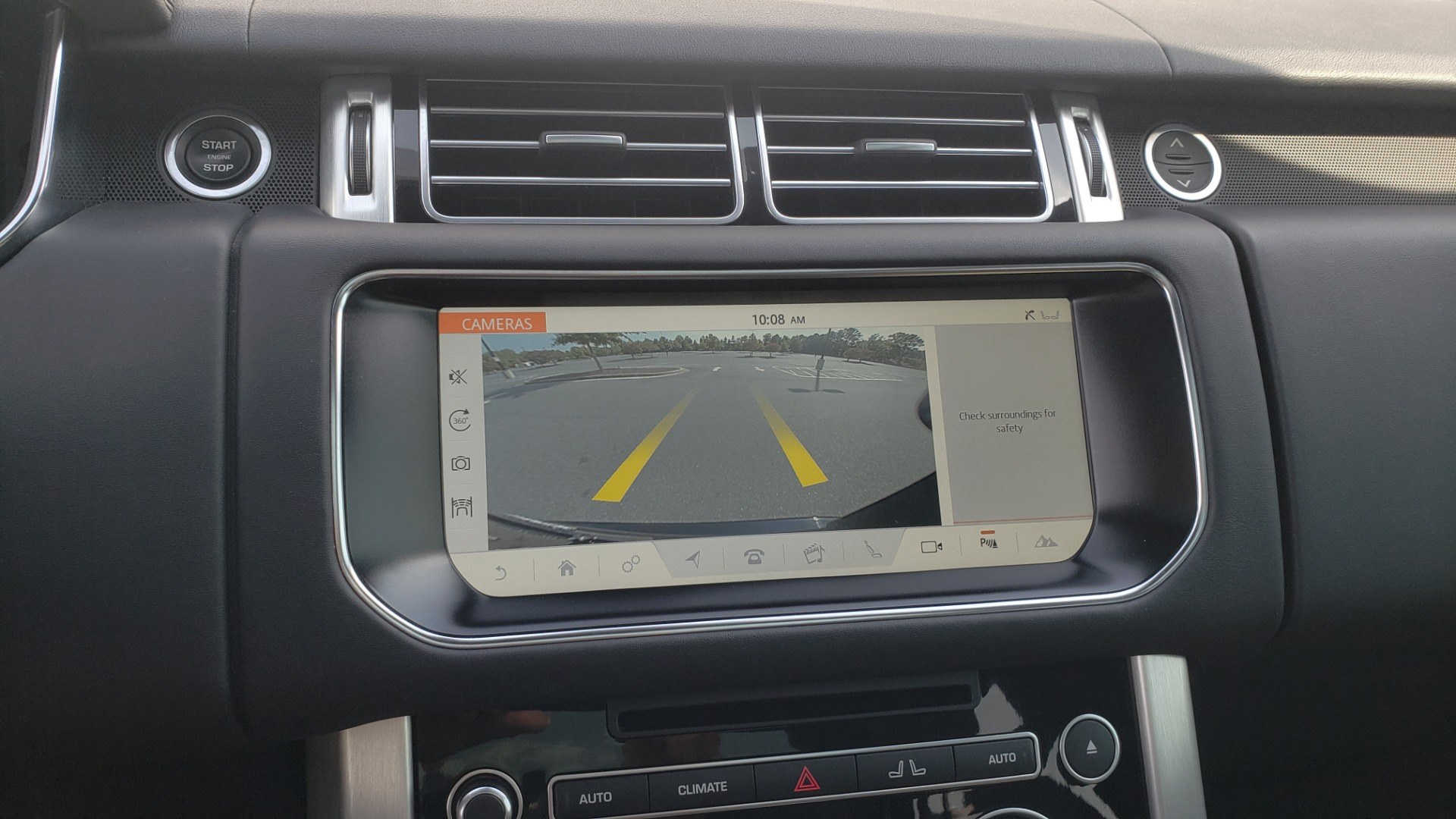 Used 2017 Land Rover RANGE ROVER SC V8 / VISION ASST / DRIVE PKG / MERIDIAN SOUND / PANO-ROOF / NAV / BSM for sale $75,995 at Formula Imports in Charlotte NC 28227 53
