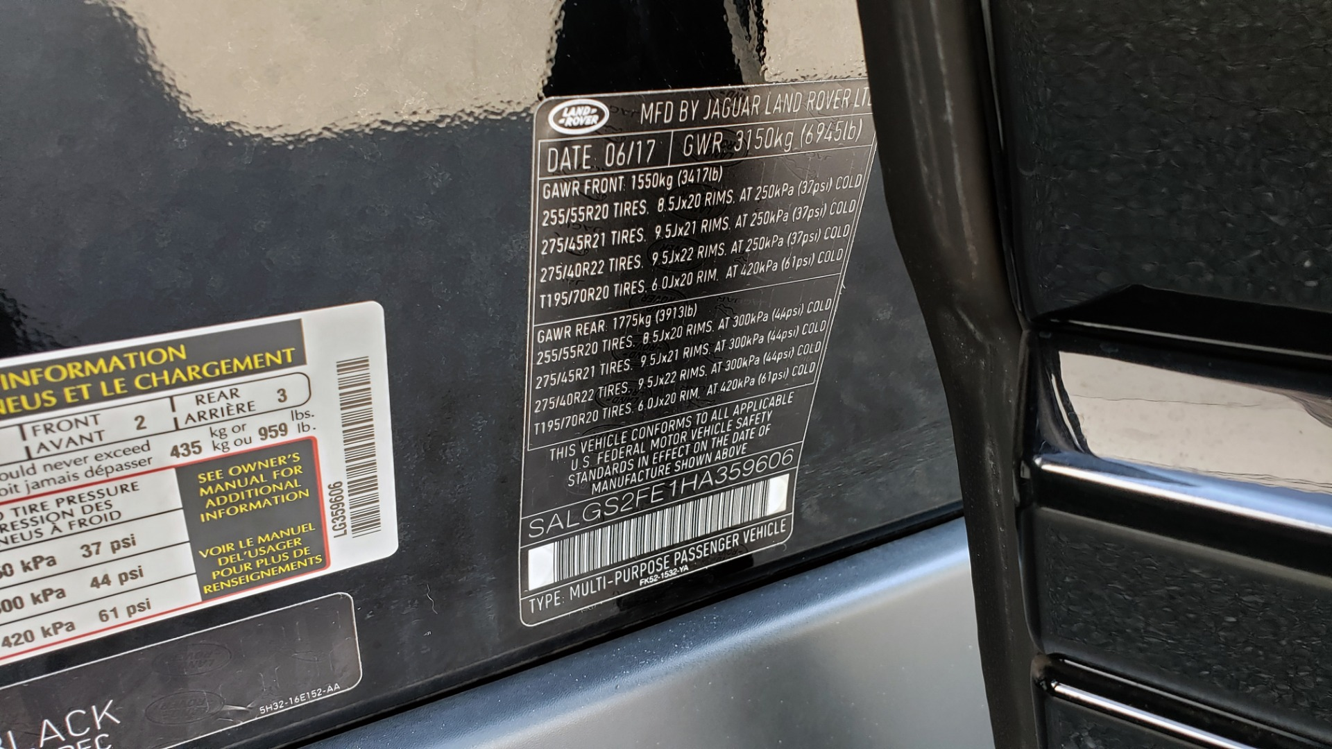 Used 2017 Land Rover RANGE ROVER SC V8 / VISION ASST / DRIVE PKG / MERIDIAN SOUND / PANO-ROOF / NAV / BSM for sale $75,995 at Formula Imports in Charlotte NC 28227 97