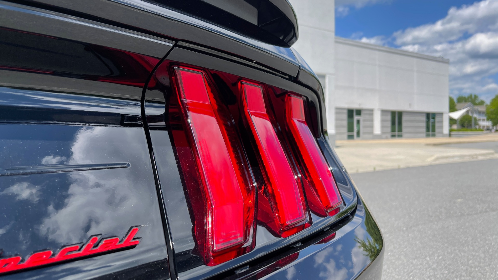 Used 2020 Ford MUSTANG GT PREMIUM / CALIFORNIA SPECIAL / 5.0L V8 / 6-SPD MAN for sale Sold at Formula Imports in Charlotte NC 28227 29