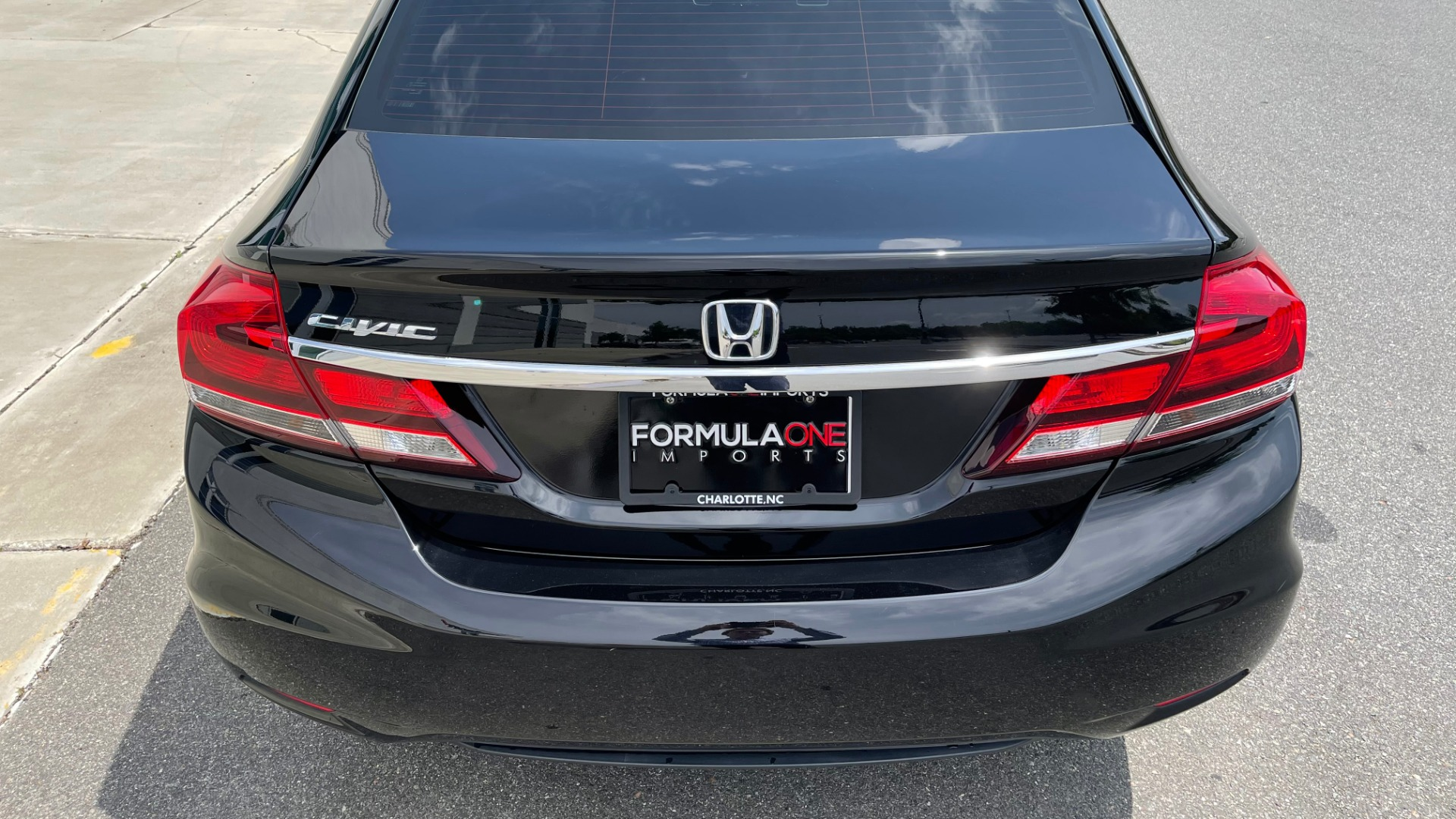 Used 2013 Honda CIVIC SEDAN LX / 5-SPD AUTO / 1.8L 4-CYL / BLUETOOTH / AIR CONDITIONING for sale Call for price at Formula Imports in Charlotte NC 28227 11