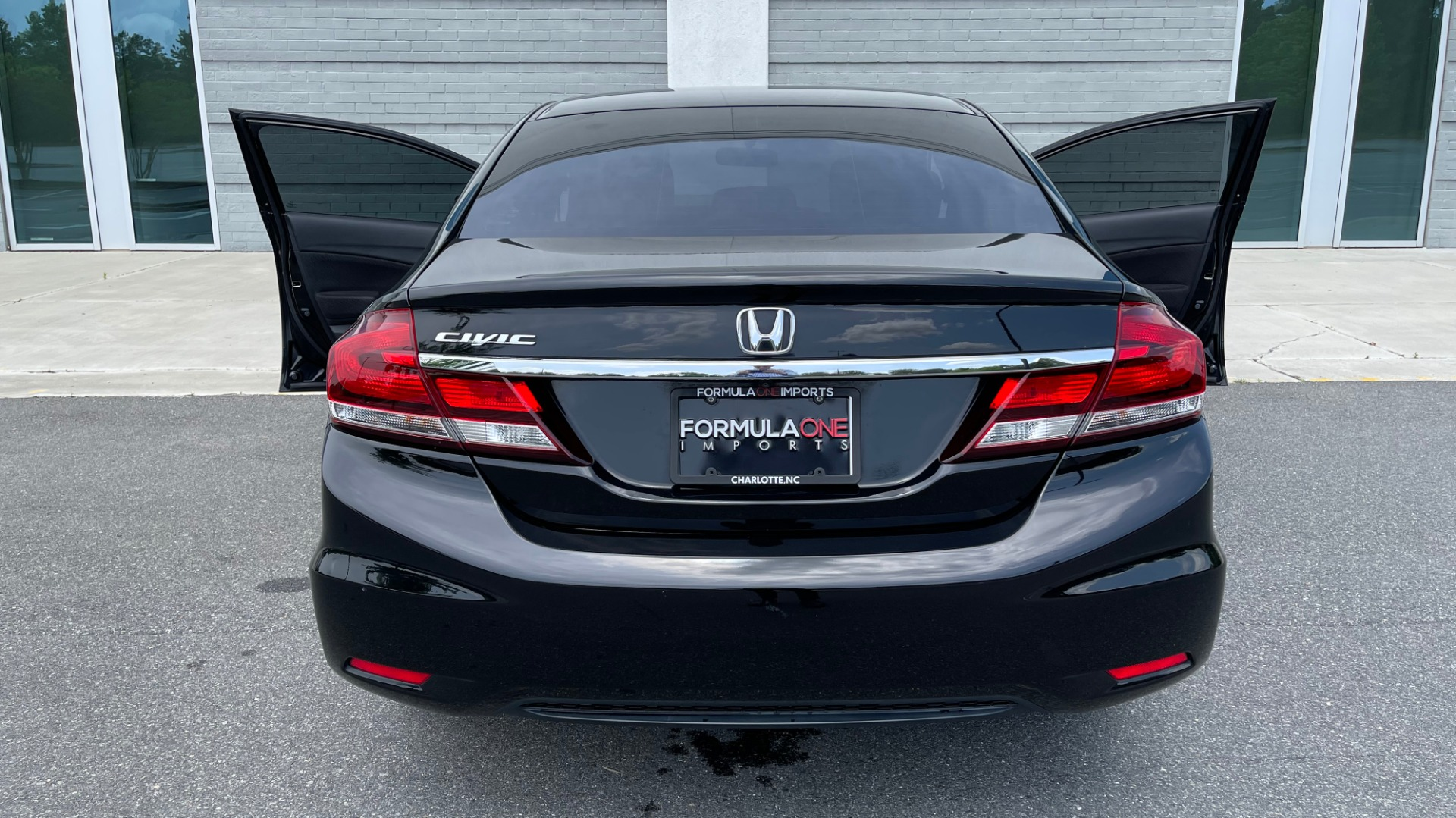Used 2013 Honda CIVIC SEDAN LX / 5-SPD AUTO / 1.8L 4-CYL / BLUETOOTH / AIR CONDITIONING for sale Call for price at Formula Imports in Charlotte NC 28227 27