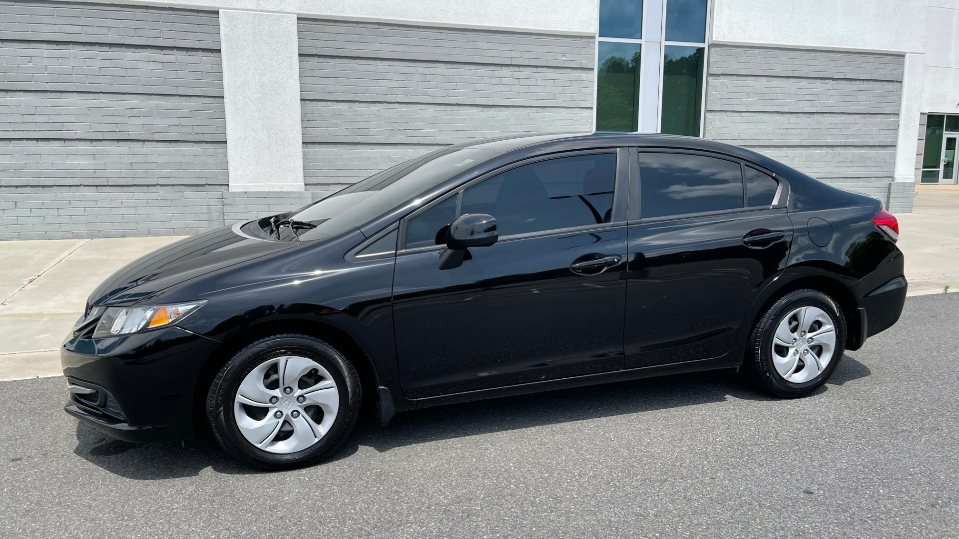 Used 2013 Honda CIVIC SEDAN LX / 5-SPD AUTO / 1.8L 4-CYL / BLUETOOTH / AIR CONDITIONING for sale Call for price at Formula Imports in Charlotte NC 28227 3
