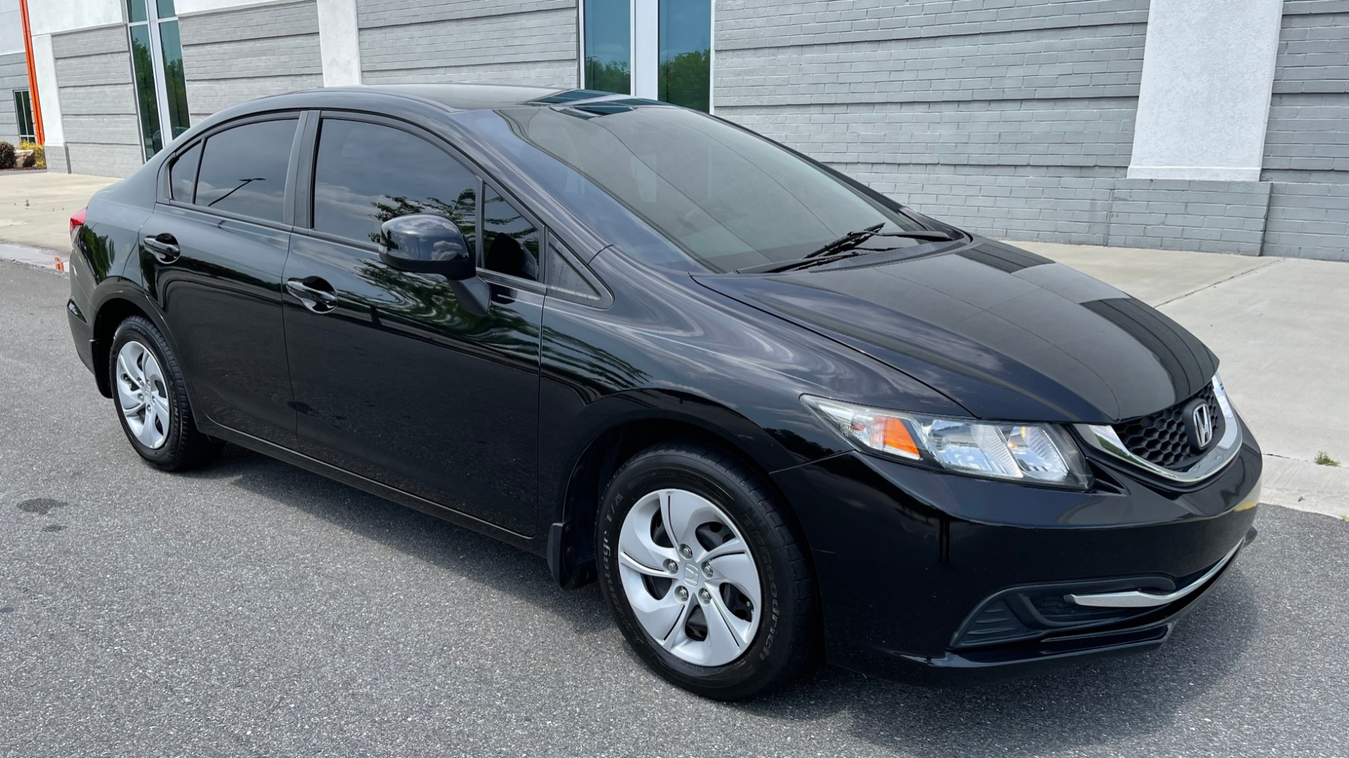 Used 2013 Honda CIVIC SEDAN LX / 5-SPD AUTO / 1.8L 4-CYL / BLUETOOTH / AIR CONDITIONING for sale Call for price at Formula Imports in Charlotte NC 28227 8