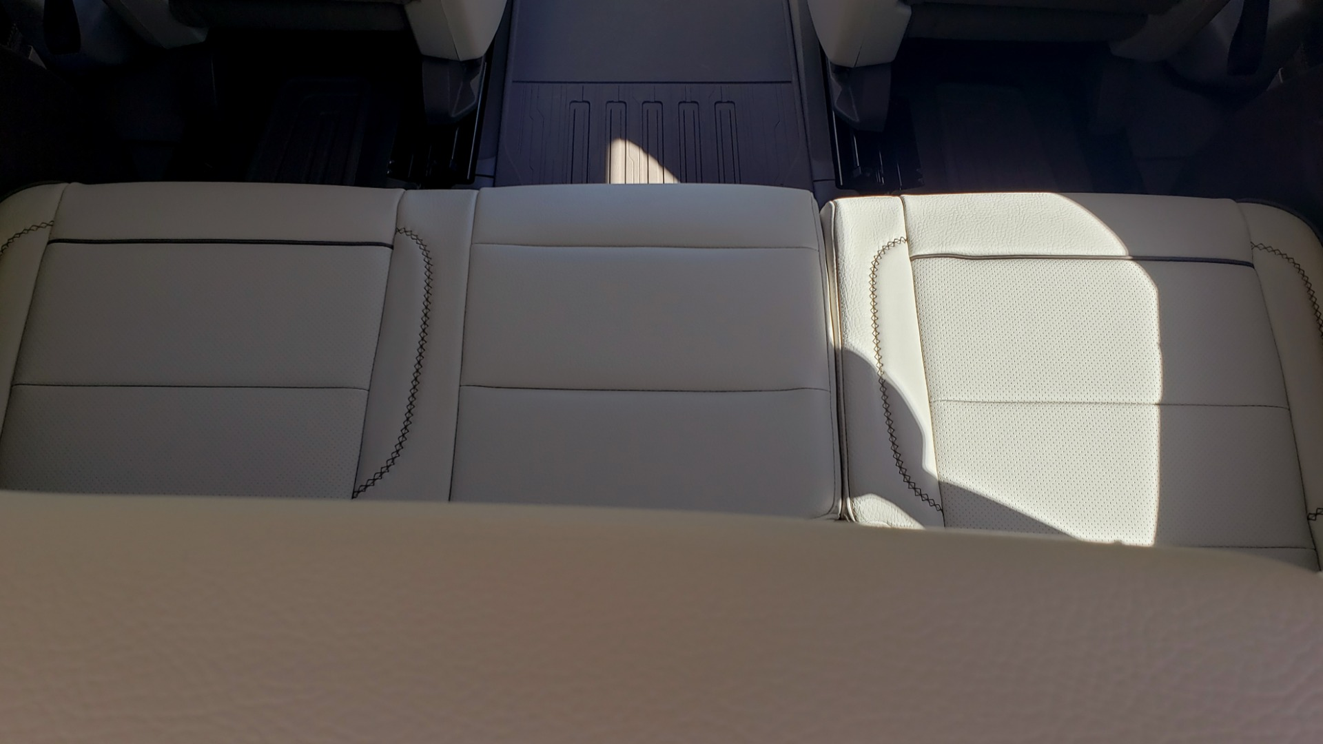 Used 2021 GMC YUKON DENALI PREM / 4WD / NAV / TECH / TRAILER / SECURITY / SUNROOF for sale Sold at Formula Imports in Charlotte NC 28227 29