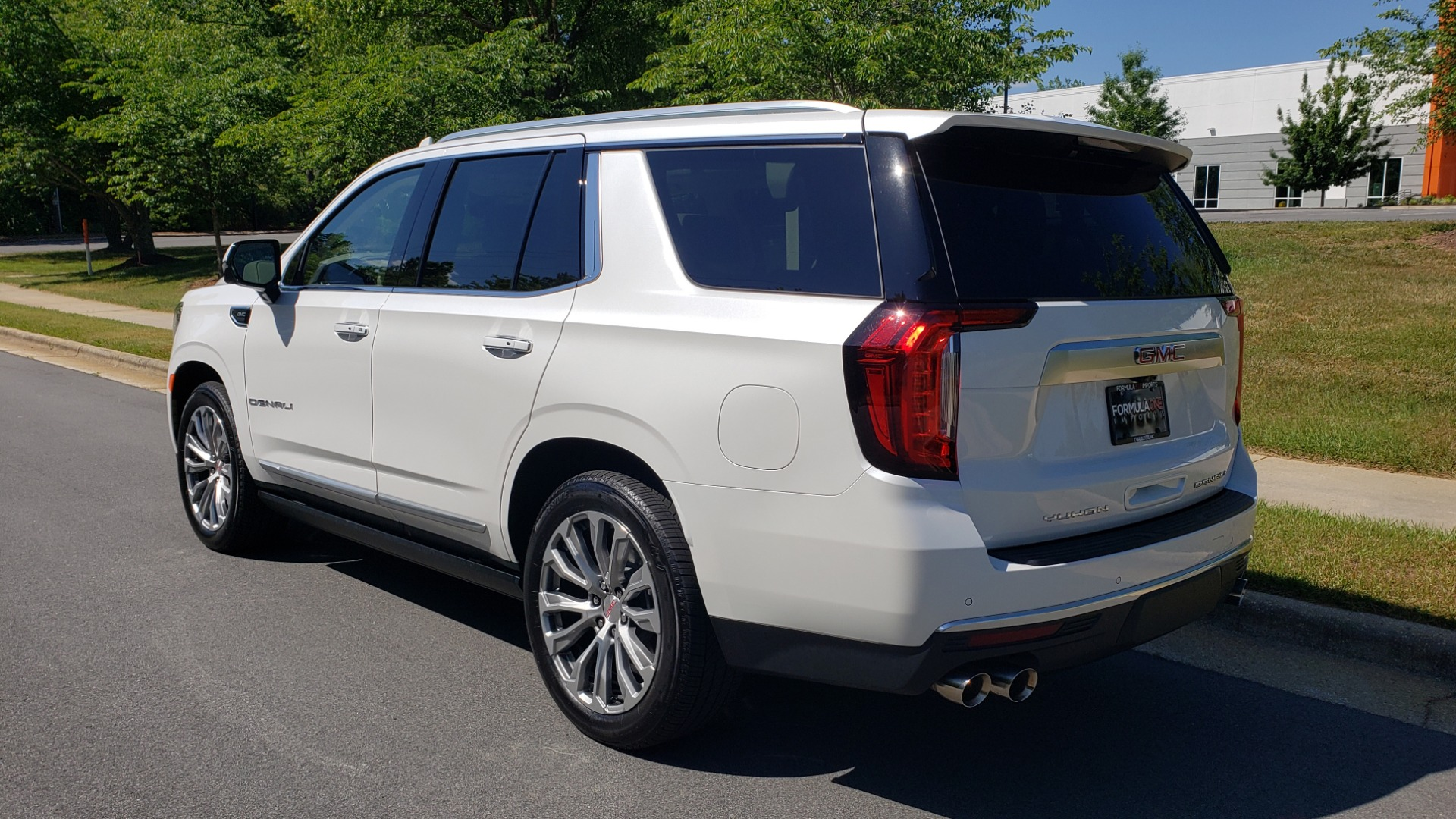Used 2021 GMC YUKON DENALI PREM / 4WD / NAV / TECH / TRAILER / SECURITY / SUNROOF for sale Sold at Formula Imports in Charlotte NC 28227 3