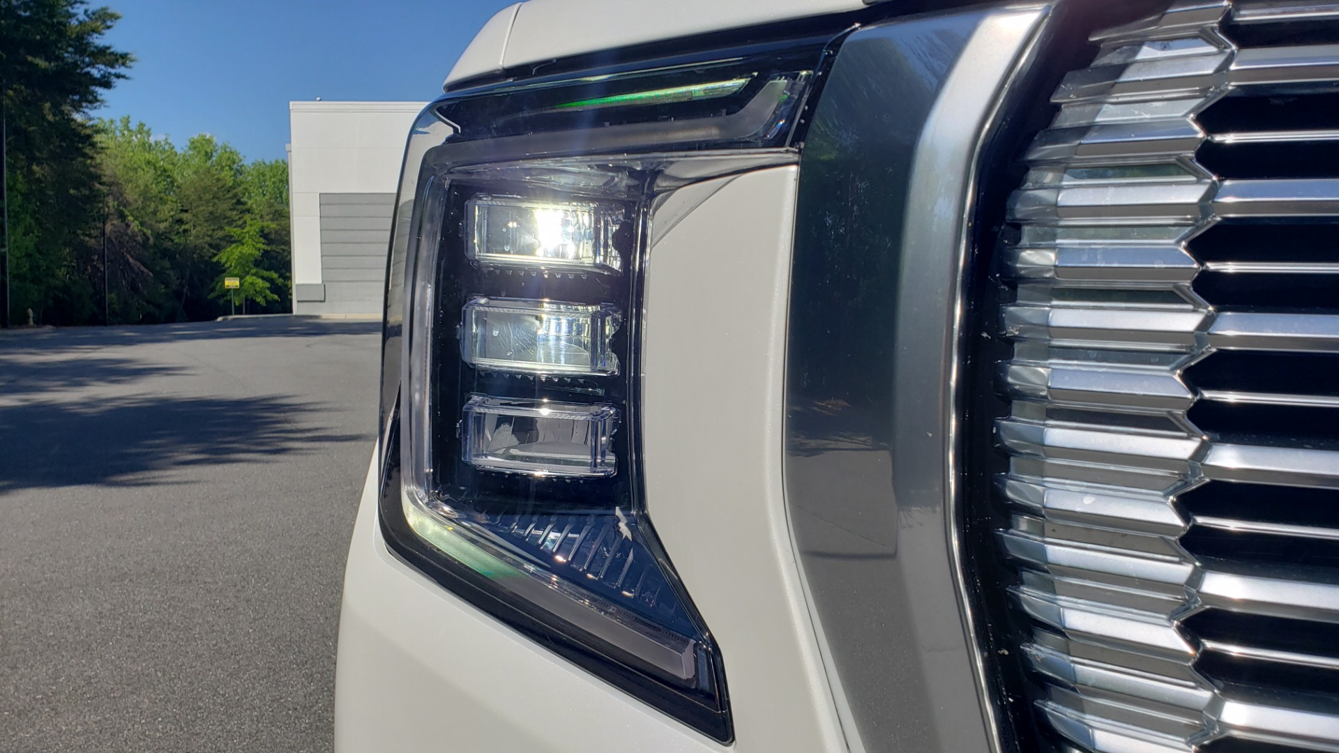 Used 2021 GMC YUKON DENALI PREM / 4WD / NAV / TECH / TRAILER / SECURITY / SUNROOF for sale Sold at Formula Imports in Charlotte NC 28227 77