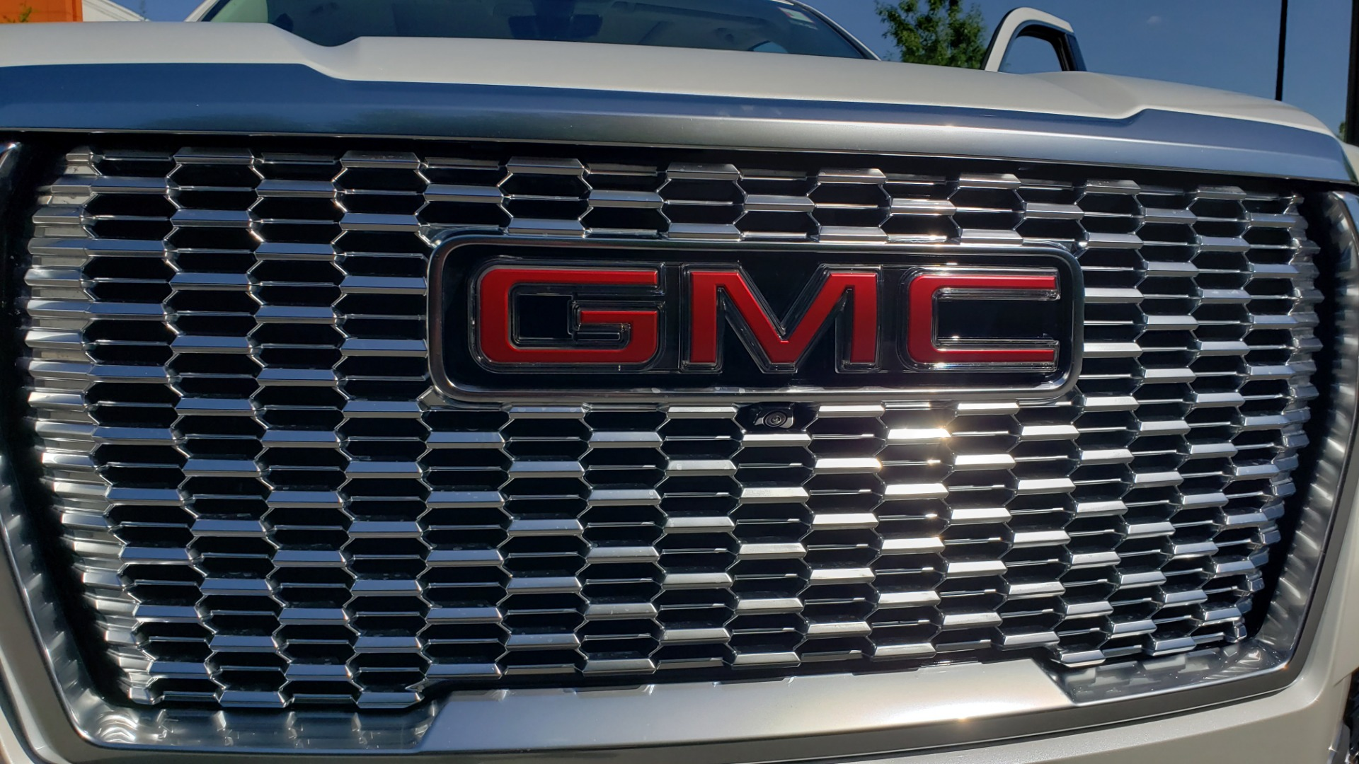 Used 2021 GMC YUKON DENALI PREM / 4WD / NAV / TECH / TRAILER / SECURITY / SUNROOF for sale Sold at Formula Imports in Charlotte NC 28227 78