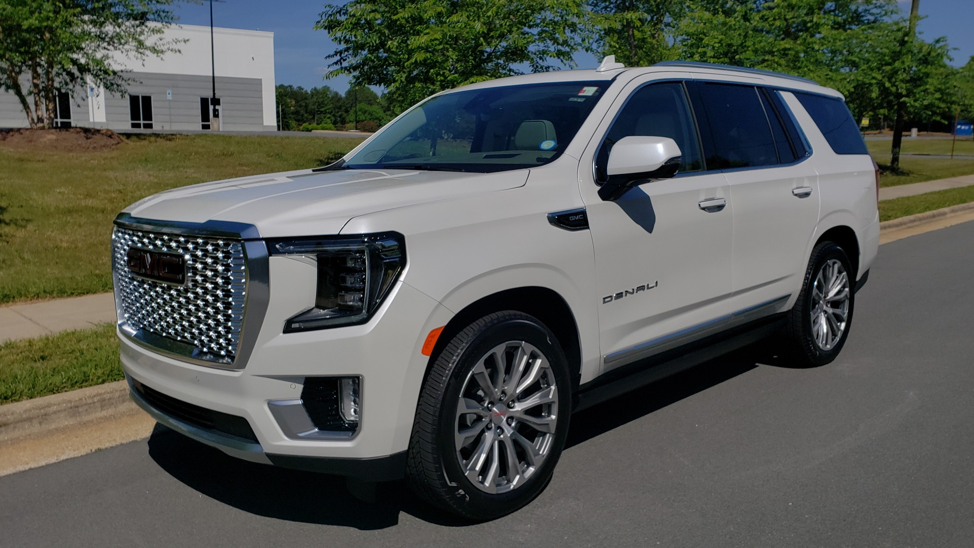 Used 2021 GMC YUKON DENALI PREM / 4WD / NAV / TECH / TRAILER / SECURITY / SUNROOF for sale Sold at Formula Imports in Charlotte NC 28227 1