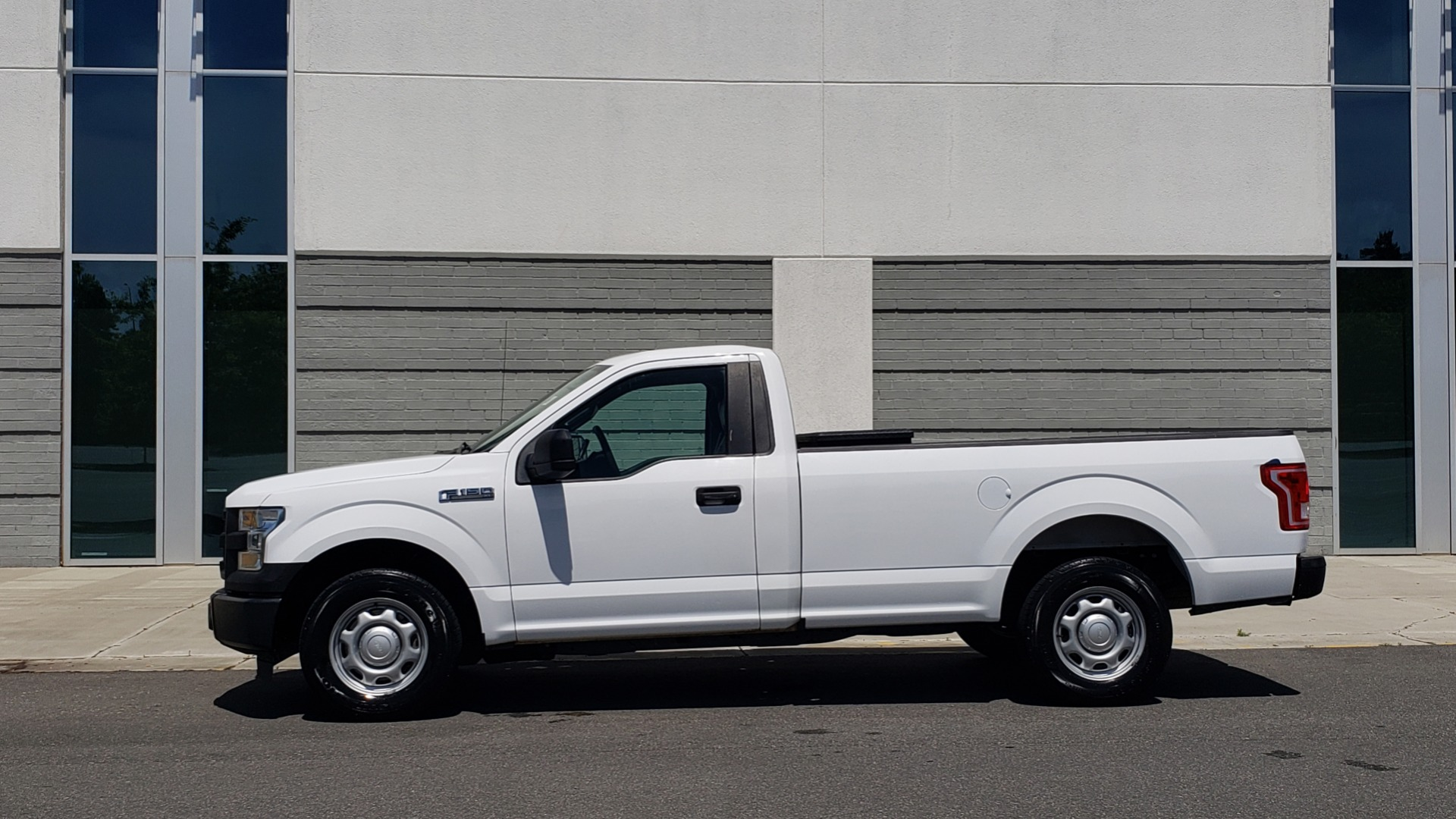 Used 2016 Ford F-150 XL 4X2 REGULAR CAB / 3.5L V6 / 6-SPD AUTO / CRUISE CONTROL for sale $12,995 at Formula Imports in Charlotte NC 28227 2