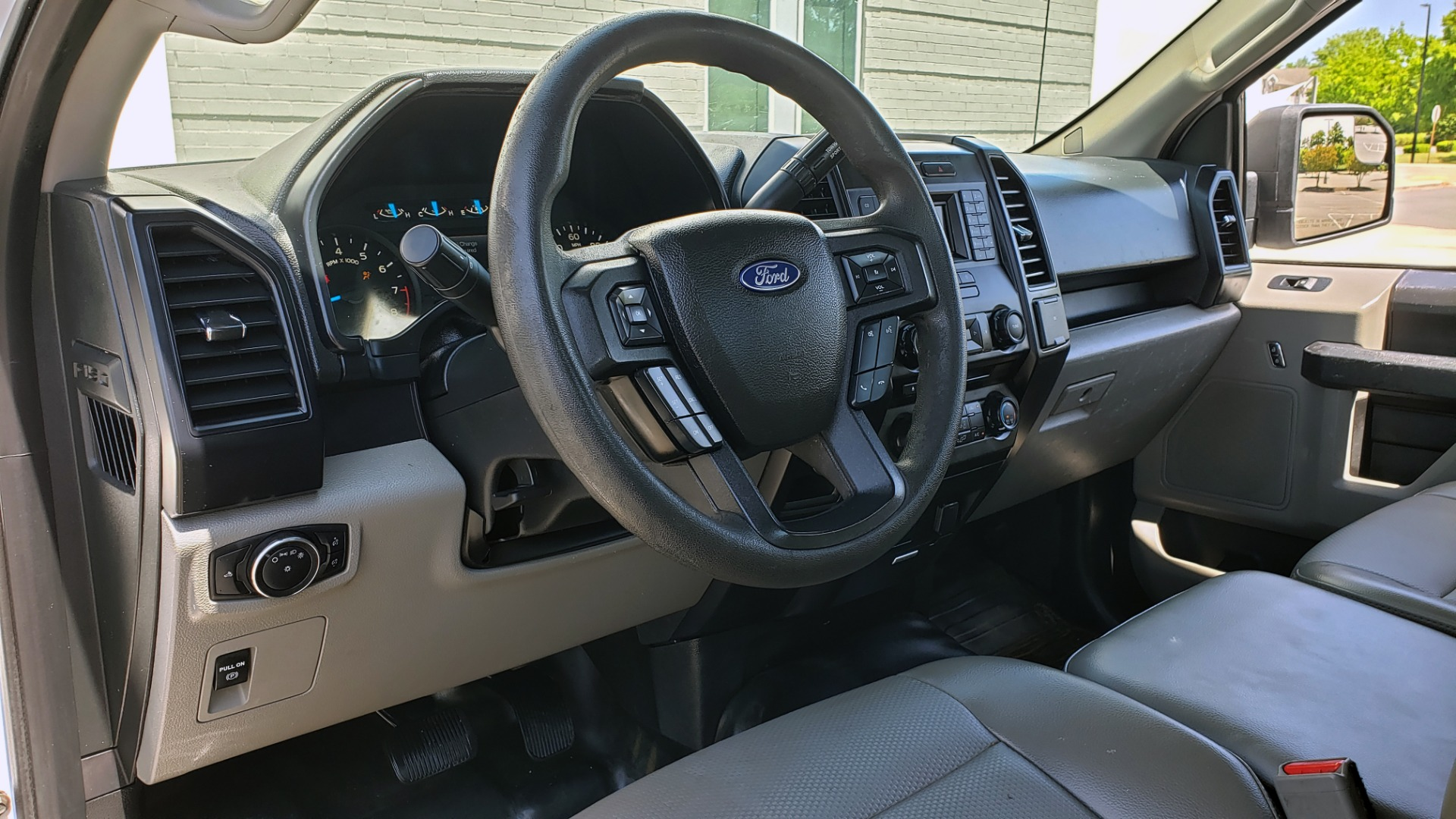 Used 2016 Ford F-150 XL 4X2 REGULAR CAB / 3.5L V6 / 6-SPD AUTO / CRUISE CONTROL for sale $12,995 at Formula Imports in Charlotte NC 28227 29