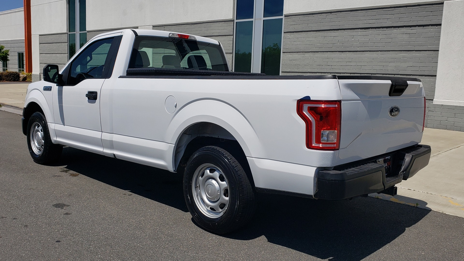 Used 2016 Ford F-150 XL 4X2 REGULAR CAB / 3.5L V6 / 6-SPD AUTO / CRUISE CONTROL for sale $12,995 at Formula Imports in Charlotte NC 28227 3