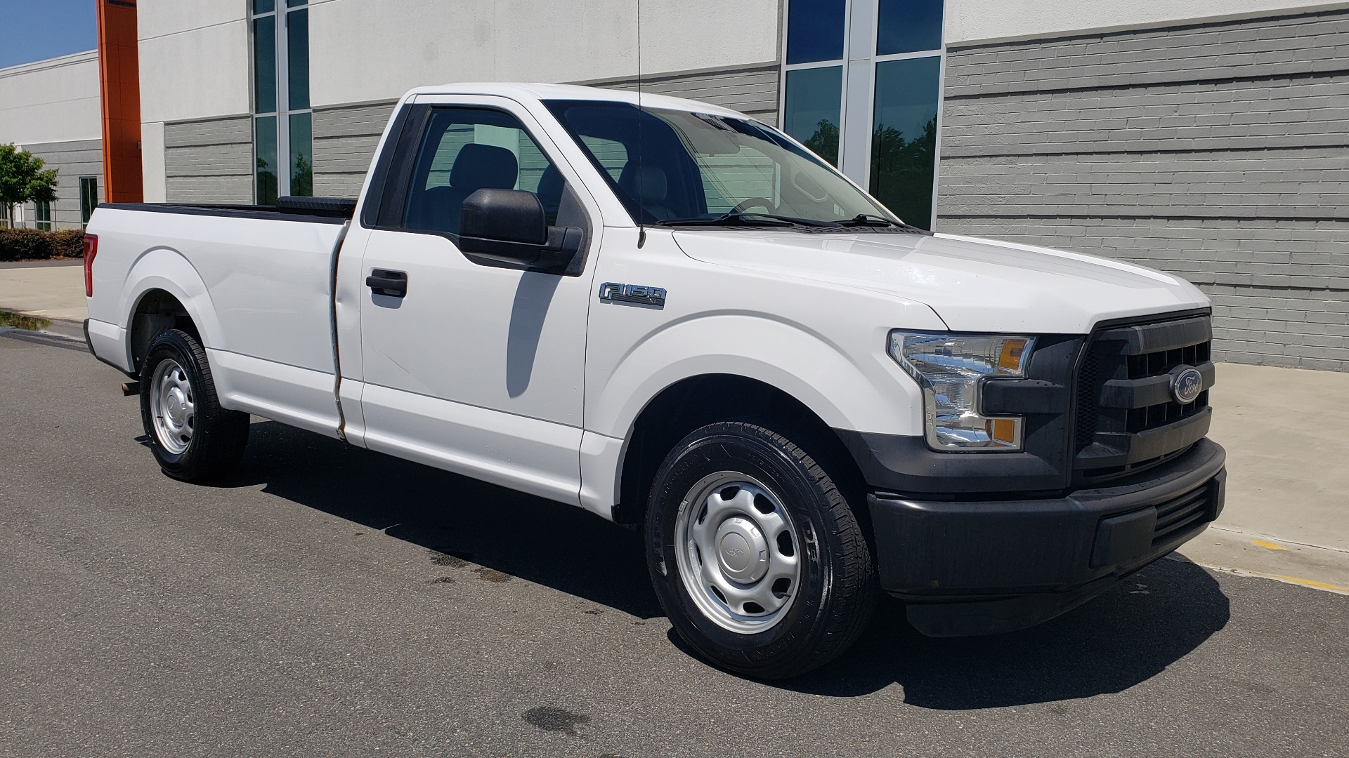 Used 2016 Ford F-150 XL 4X2 REGULAR CAB / 3.5L V6 / 6-SPD AUTO / CRUISE CONTROL for sale $12,995 at Formula Imports in Charlotte NC 28227 4