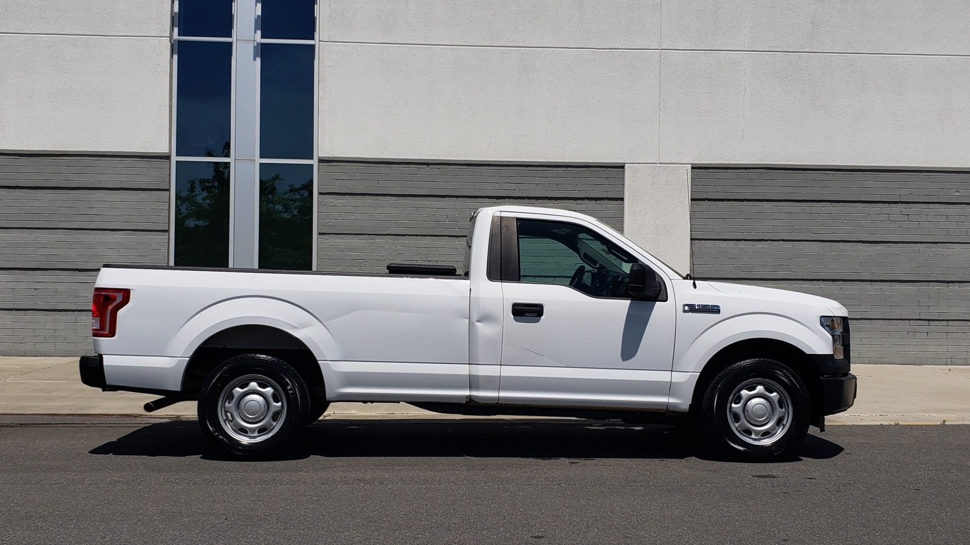 Used 2016 Ford F-150 XL 4X2 REGULAR CAB / 3.5L V6 / 6-SPD AUTO / CRUISE CONTROL for sale $12,995 at Formula Imports in Charlotte NC 28227 5