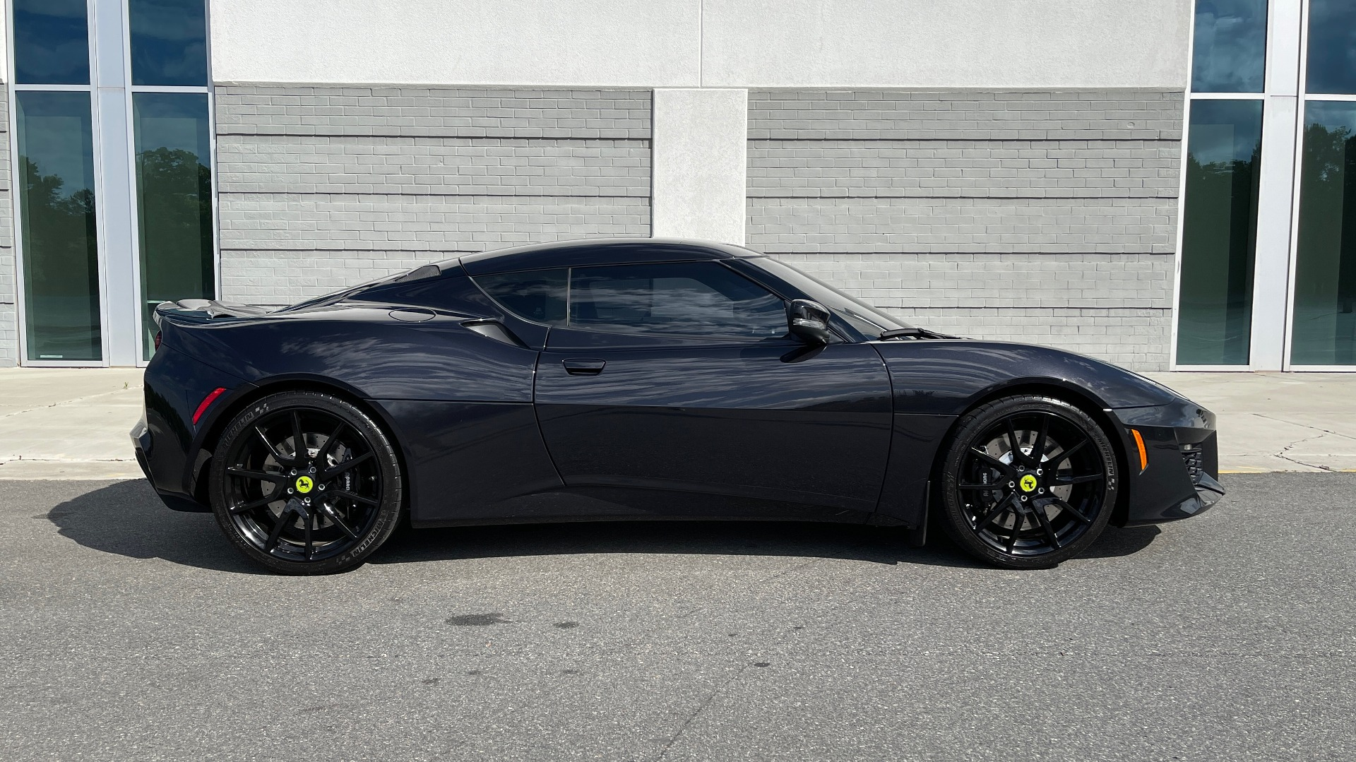 Used 2017 Lotus EVORA 400 COUPE / 3.5L SUPERCHARGED V6 / PDL SHIFT AUTO / NAV / REARVIEW for sale Sold at Formula Imports in Charlotte NC 28227 3