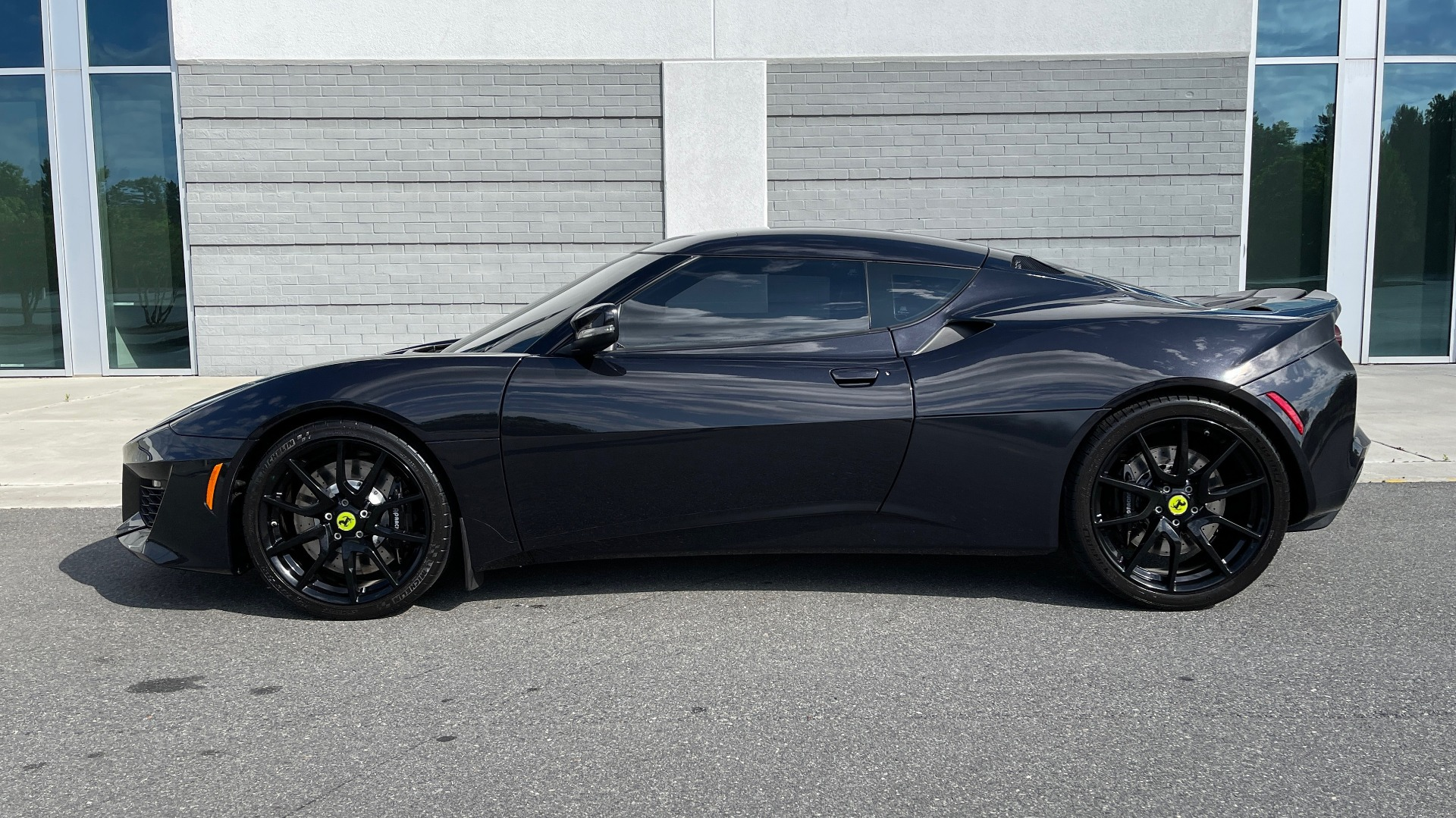 Used 2017 Lotus EVORA 400 COUPE / 3.5L SUPERCHARGED V6 / PDL SHIFT AUTO / NAV / REARVIEW for sale Sold at Formula Imports in Charlotte NC 28227 5