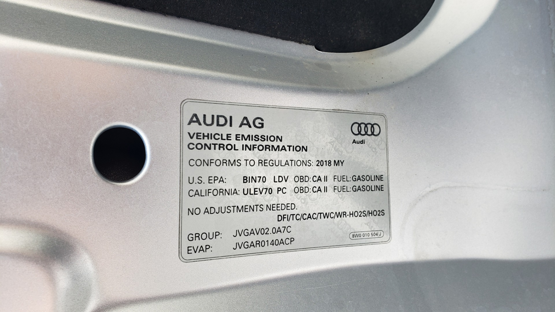 Used 2018 Audi A4 PREMIUM PLUS 2.0T / NAV / SUNROOF / B&O SND / CLD WTHR / REARVIEW for sale $29,395 at Formula Imports in Charlotte NC 28227 16