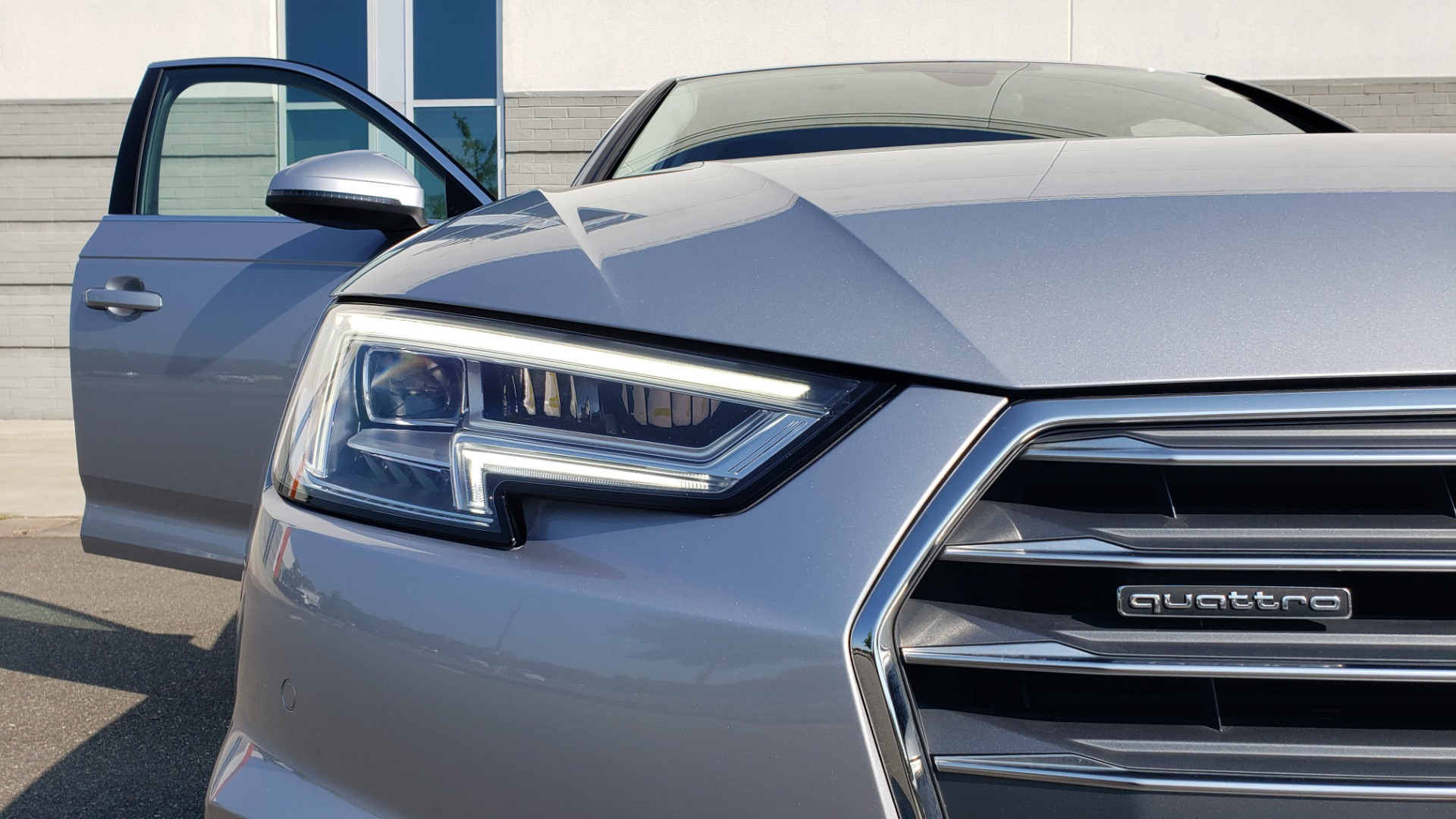 Used 2018 Audi A4 PREMIUM PLUS 2.0T / NAV / SUNROOF / B&O SND / CLD WTHR / REARVIEW for sale $29,395 at Formula Imports in Charlotte NC 28227 23
