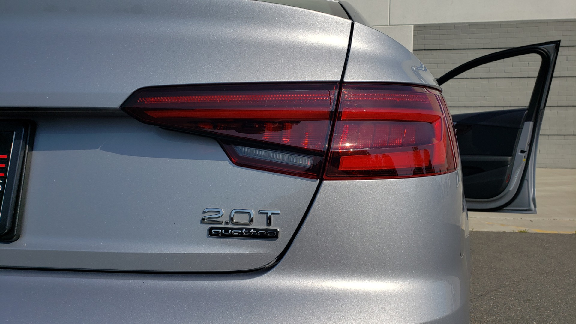 Used 2018 Audi A4 PREMIUM PLUS 2.0T / NAV / SUNROOF / B&O SND / CLD WTHR / REARVIEW for sale $29,395 at Formula Imports in Charlotte NC 28227 30