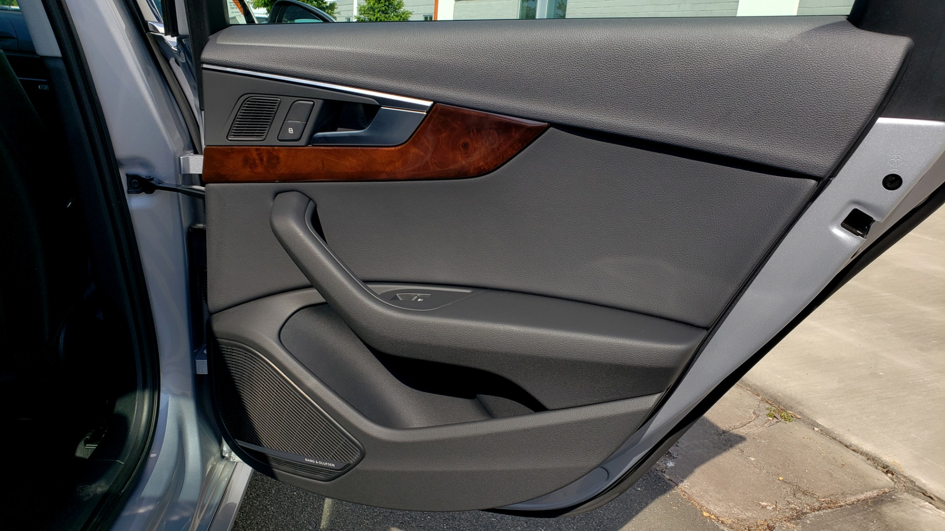 Used 2018 Audi A4 PREMIUM PLUS 2.0T / NAV / SUNROOF / B&O SND / CLD WTHR / REARVIEW for sale $29,395 at Formula Imports in Charlotte NC 28227 71