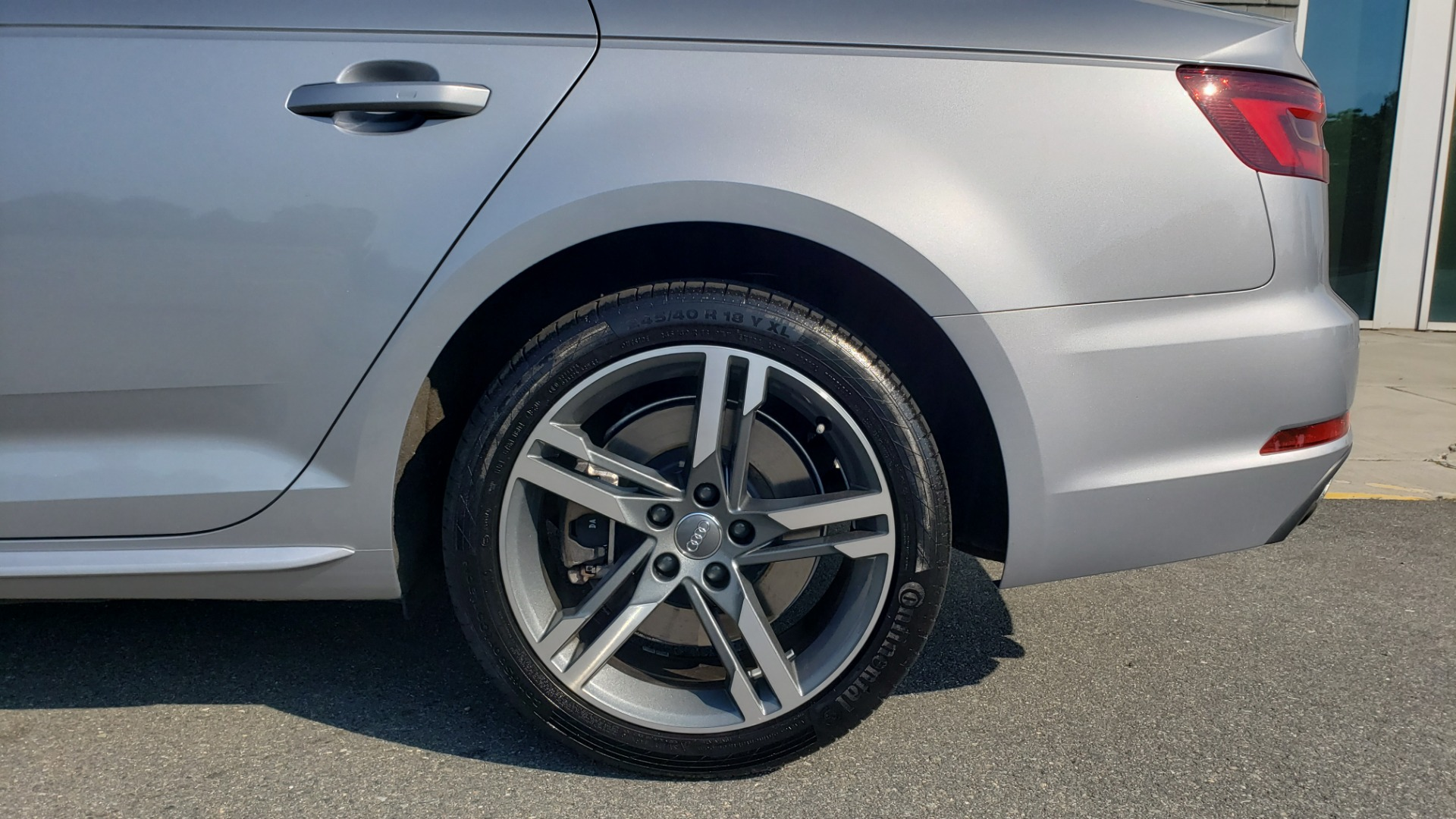 Used 2018 Audi A4 PREMIUM PLUS 2.0T / NAV / SUNROOF / B&O SND / CLD WTHR / REARVIEW for sale $29,395 at Formula Imports in Charlotte NC 28227 81