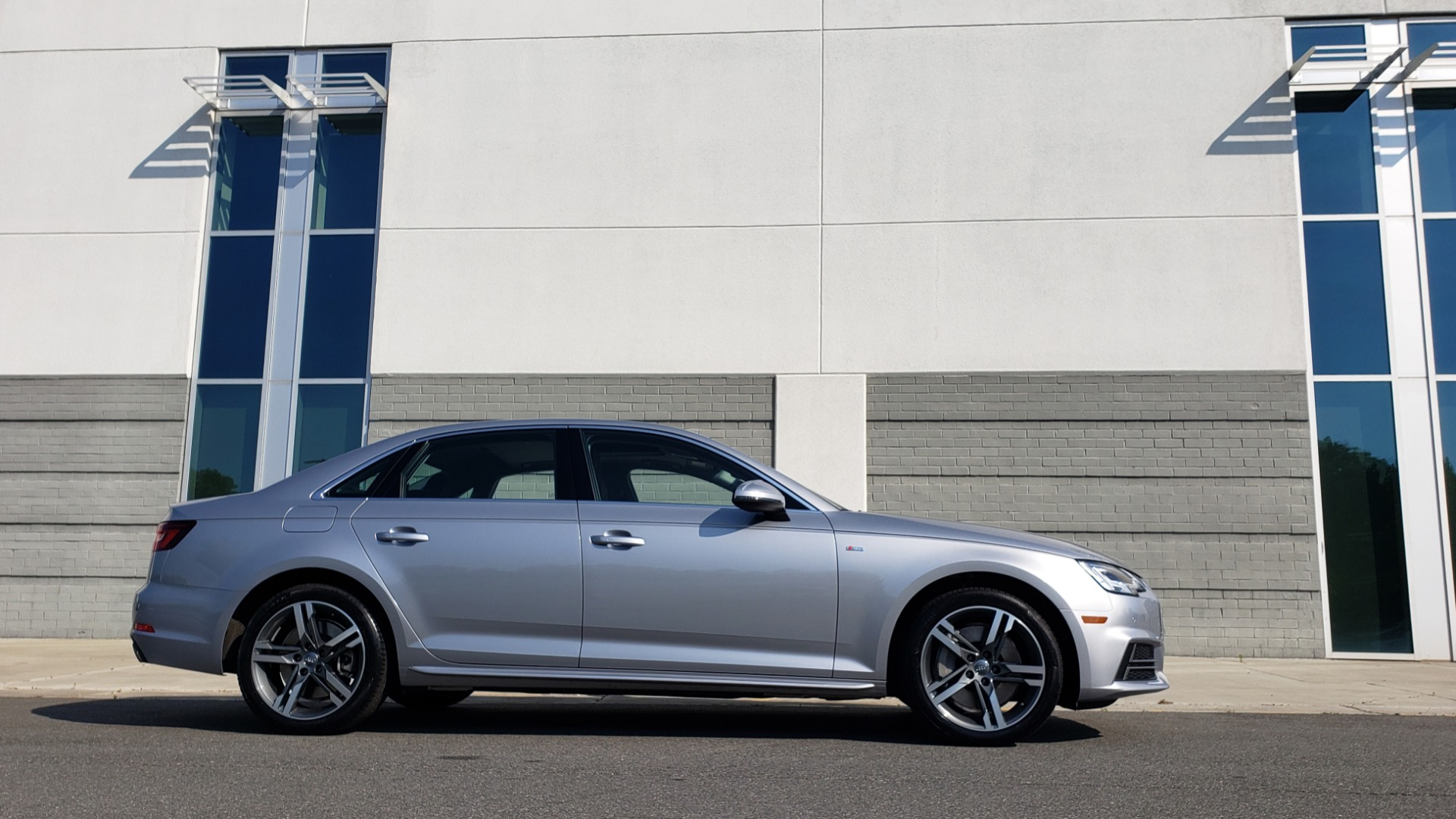 Used 2018 Audi A4 PREMIUM PLUS 2.0T / NAV / SUNROOF / B&O SND / CLD WTHR / REARVIEW for sale $29,395 at Formula Imports in Charlotte NC 28227 9