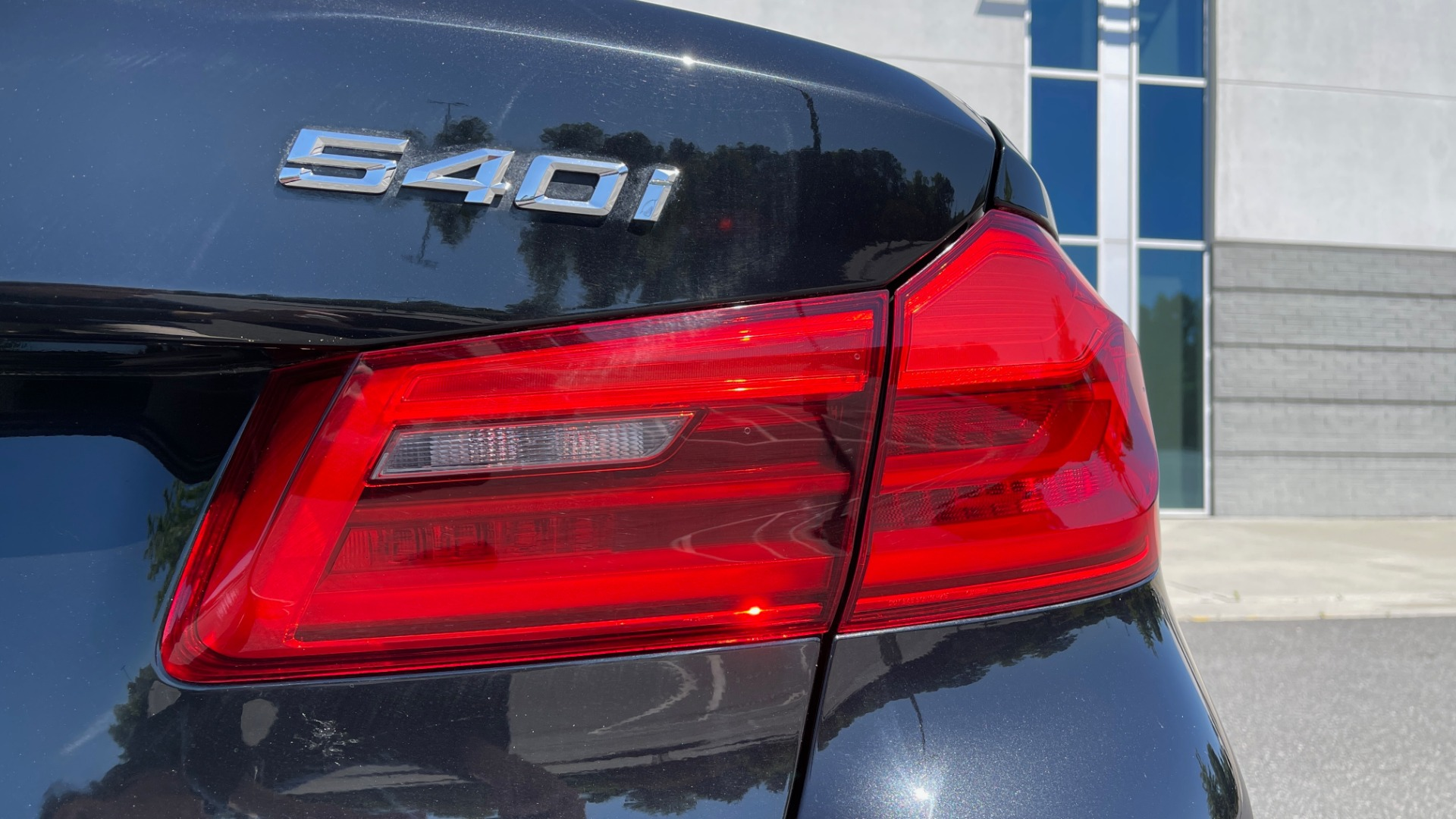 Used 2018 BMW 5 SERIES 540I XDRIVE PREMIUM / NAV / PARK ASST / WIRELESS CHARGING H/K SND for sale $38,395 at Formula Imports in Charlotte NC 28227 21