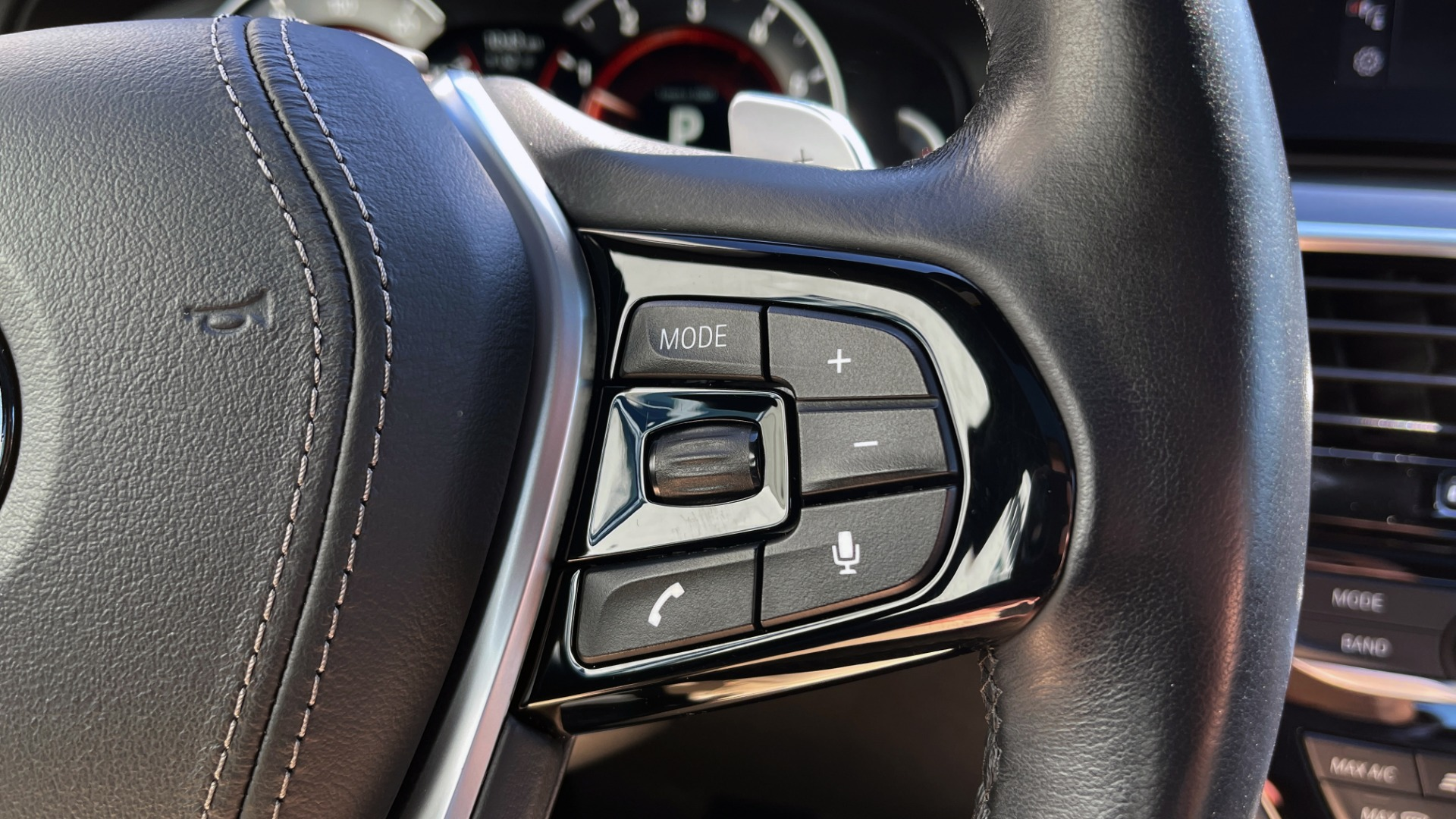 Used 2018 BMW 5 SERIES 540I XDRIVE PREMIUM / NAV / PARK ASST / WIRELESS CHARGING H/K SND for sale $38,395 at Formula Imports in Charlotte NC 28227 46