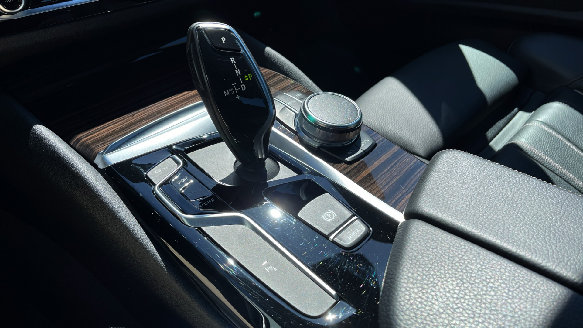 Used 2018 BMW 5 SERIES 540I XDRIVE PREMIUM / NAV / PARK ASST / WIRELESS CHARGING H/K SND for sale $38,395 at Formula Imports in Charlotte NC 28227 60