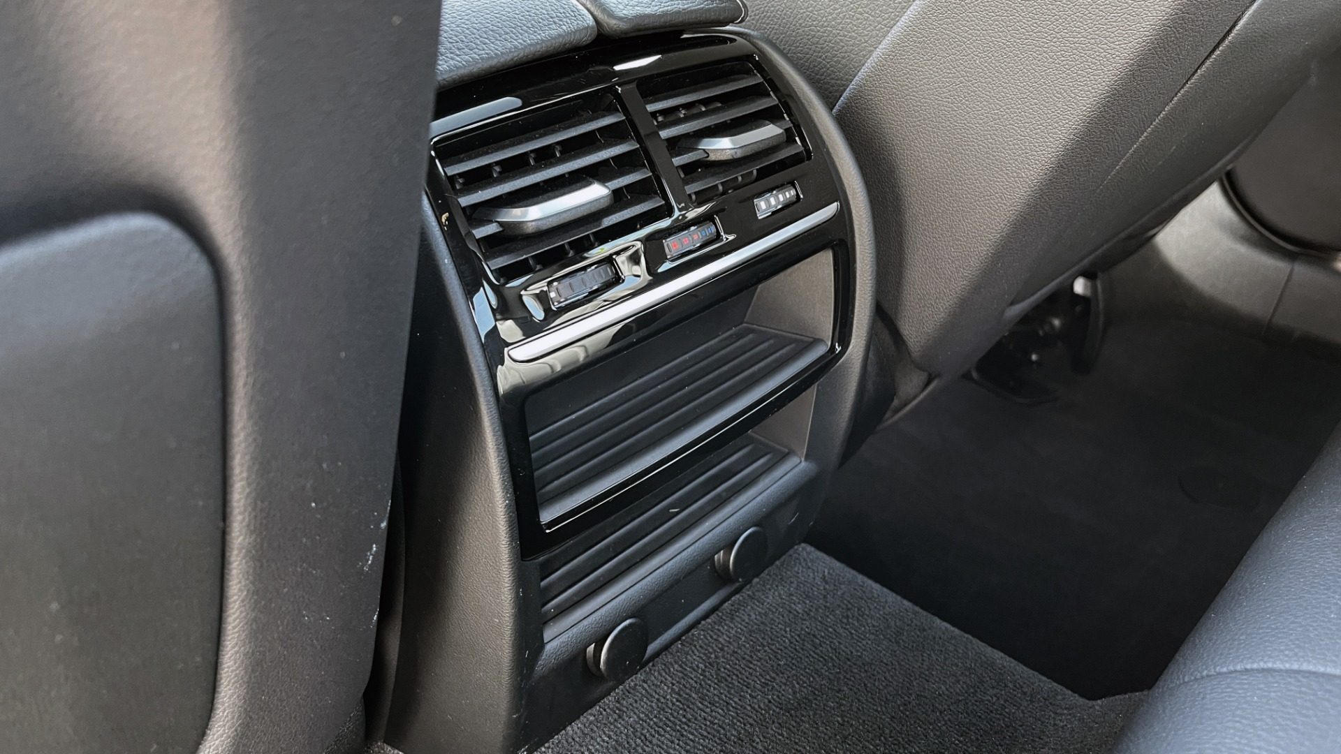 Used 2018 BMW 5 SERIES 540I XDRIVE PREMIUM / NAV / PARK ASST / WIRELESS CHARGING H/K SND for sale $38,395 at Formula Imports in Charlotte NC 28227 65