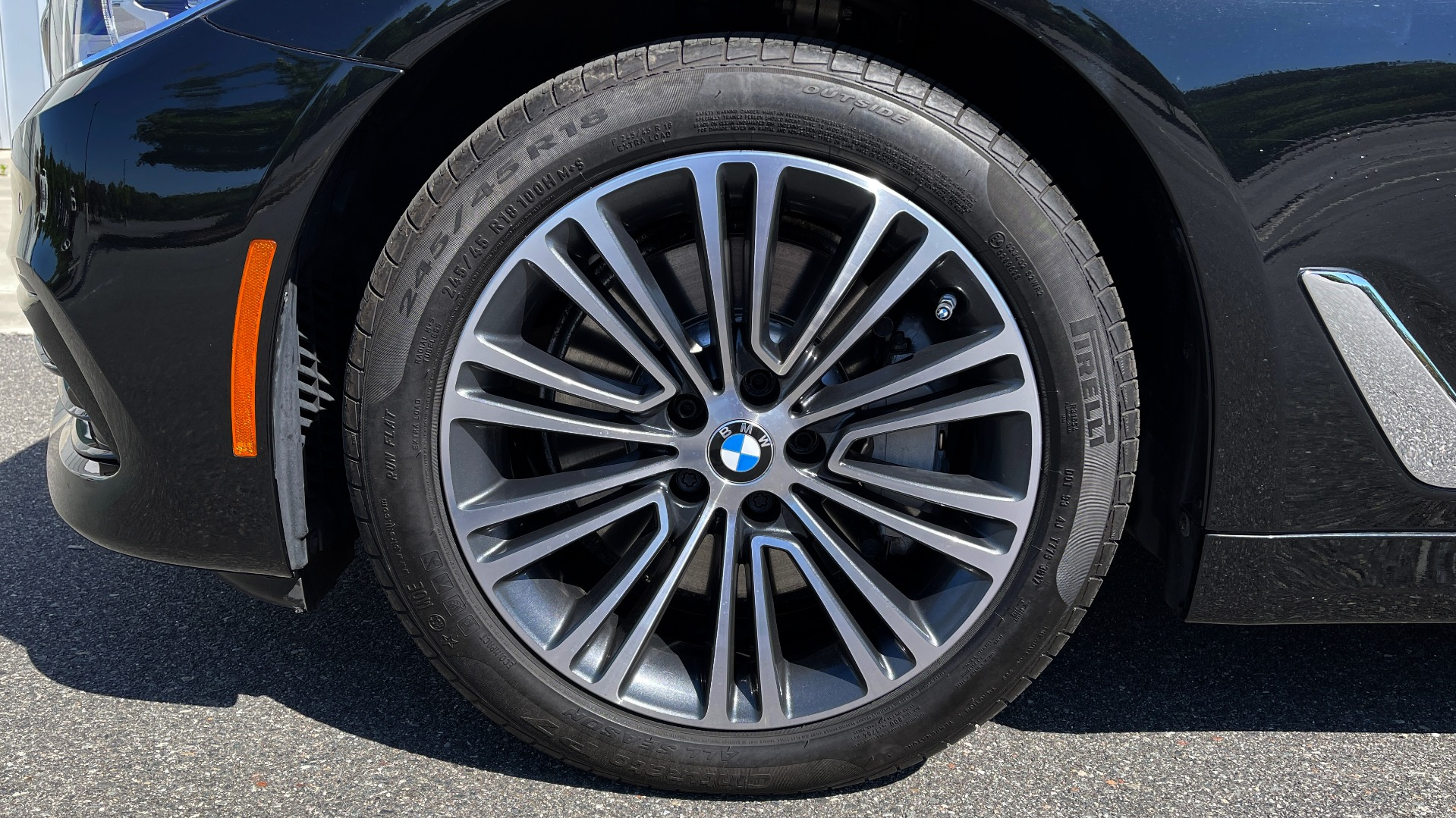 Used 2018 BMW 5 SERIES 540I XDRIVE PREMIUM / NAV / PARK ASST / WIRELESS CHARGING H/K SND for sale $38,395 at Formula Imports in Charlotte NC 28227 84