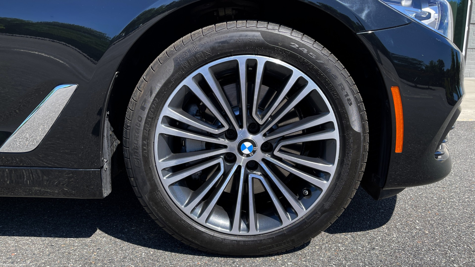 Used 2018 BMW 5 SERIES 540I XDRIVE PREMIUM / NAV / PARK ASST / WIRELESS CHARGING H/K SND for sale $38,395 at Formula Imports in Charlotte NC 28227 87