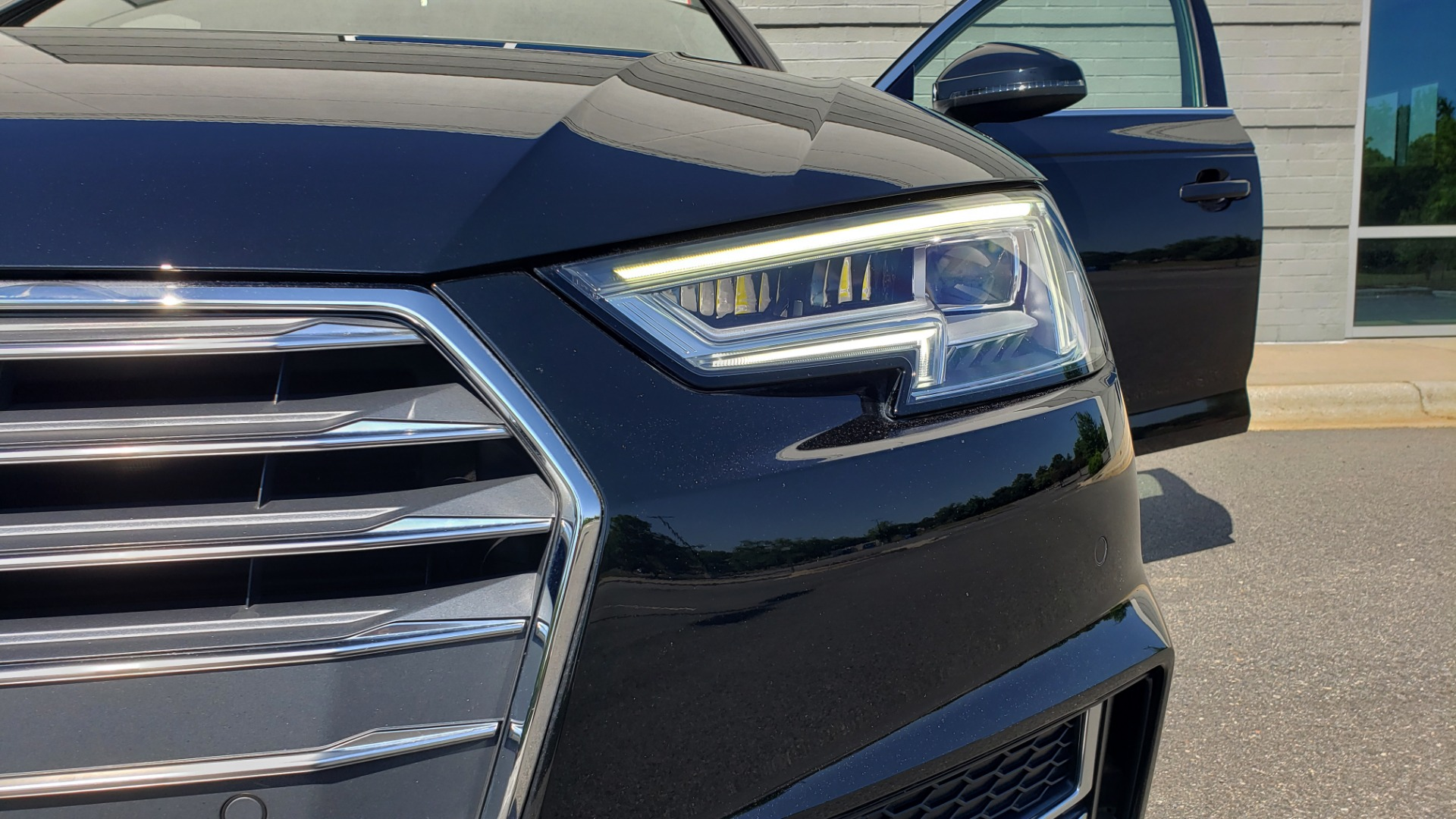 Used 2018 Audi A4 PREMIUM PLUS 2.0T / NAV / SUNROOF / B&O SND / CLD WTHR / REARVIEW for sale $30,695 at Formula Imports in Charlotte NC 28227 22