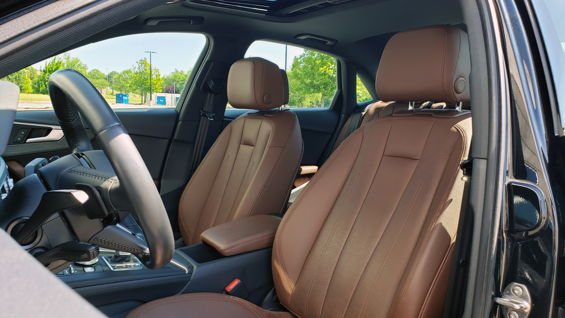 Used 2018 Audi A4 PREMIUM PLUS 2.0T / NAV / SUNROOF / B&O SND / CLD WTHR / REARVIEW for sale $30,695 at Formula Imports in Charlotte NC 28227 34
