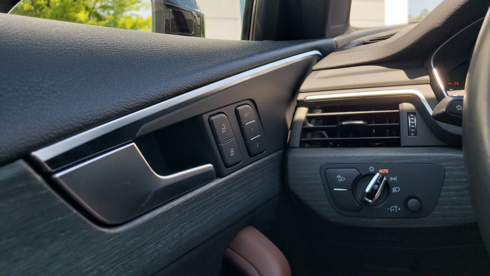 Used 2018 Audi A4 PREMIUM PLUS 2.0T / NAV / SUNROOF / B&O SND / CLD WTHR / REARVIEW for sale $30,695 at Formula Imports in Charlotte NC 28227 36