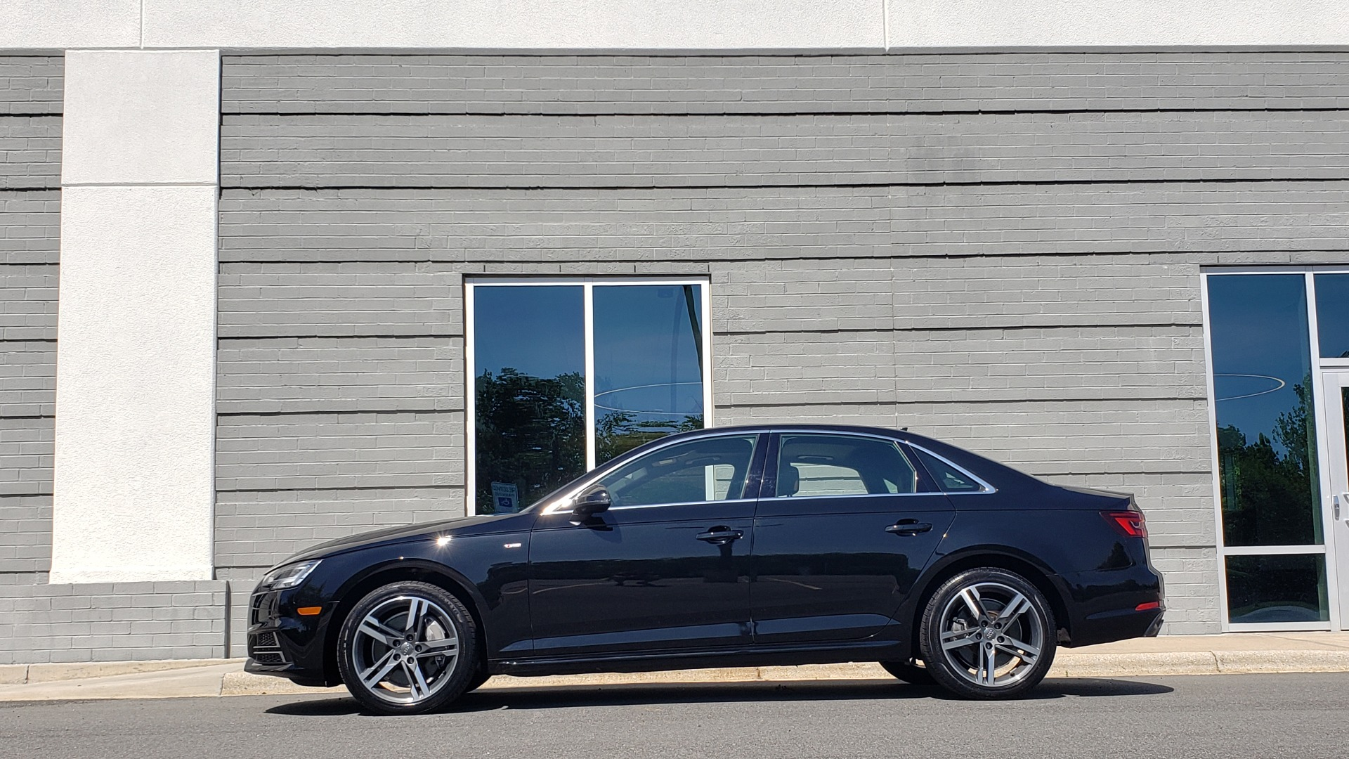 Used 2018 Audi A4 PREMIUM PLUS 2.0T / NAV / SUNROOF / B&O SND / CLD WTHR / REARVIEW for sale $30,695 at Formula Imports in Charlotte NC 28227 4